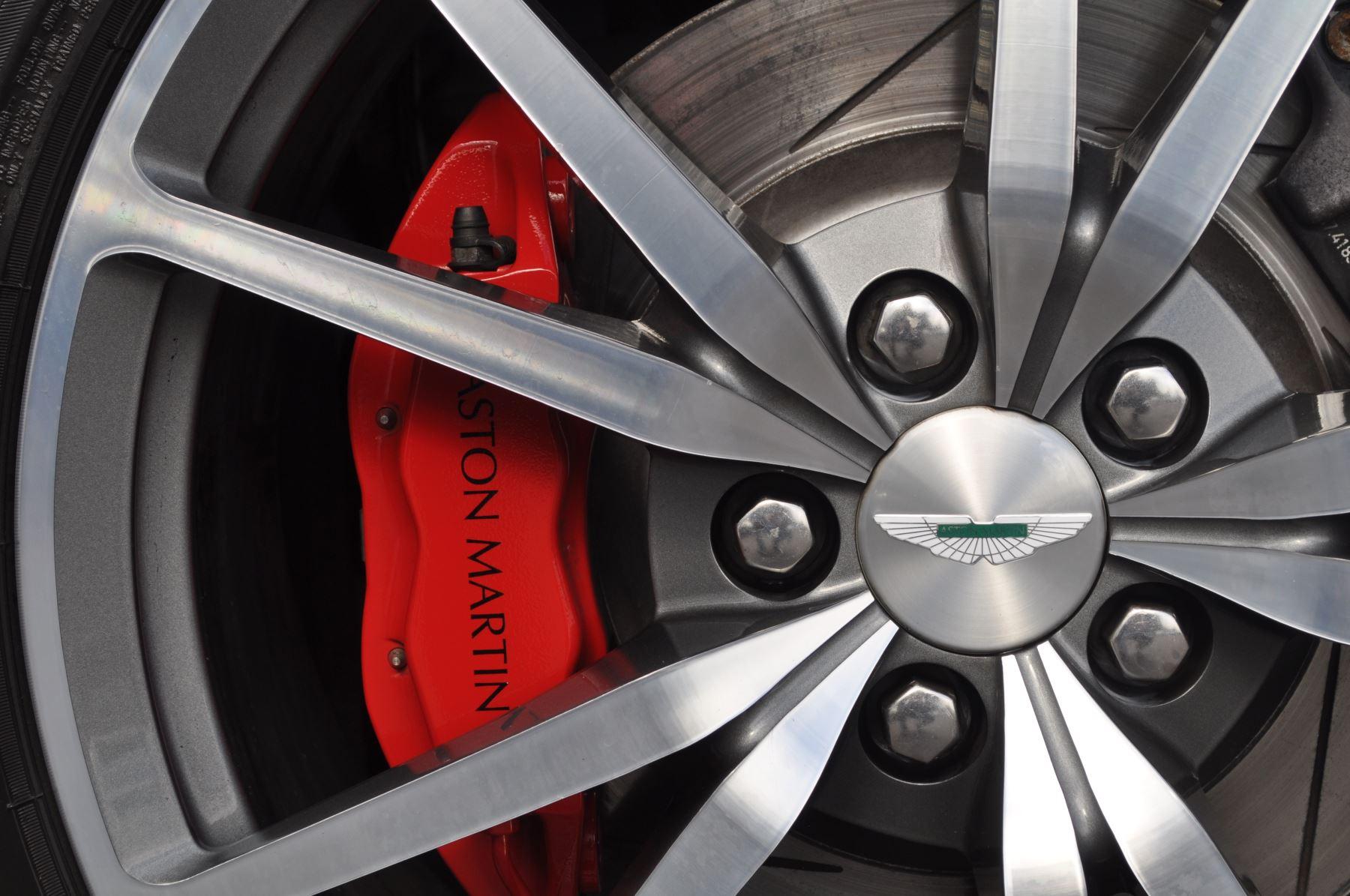 Aston Martin V8 Vantage S Coupe Coupe image 40