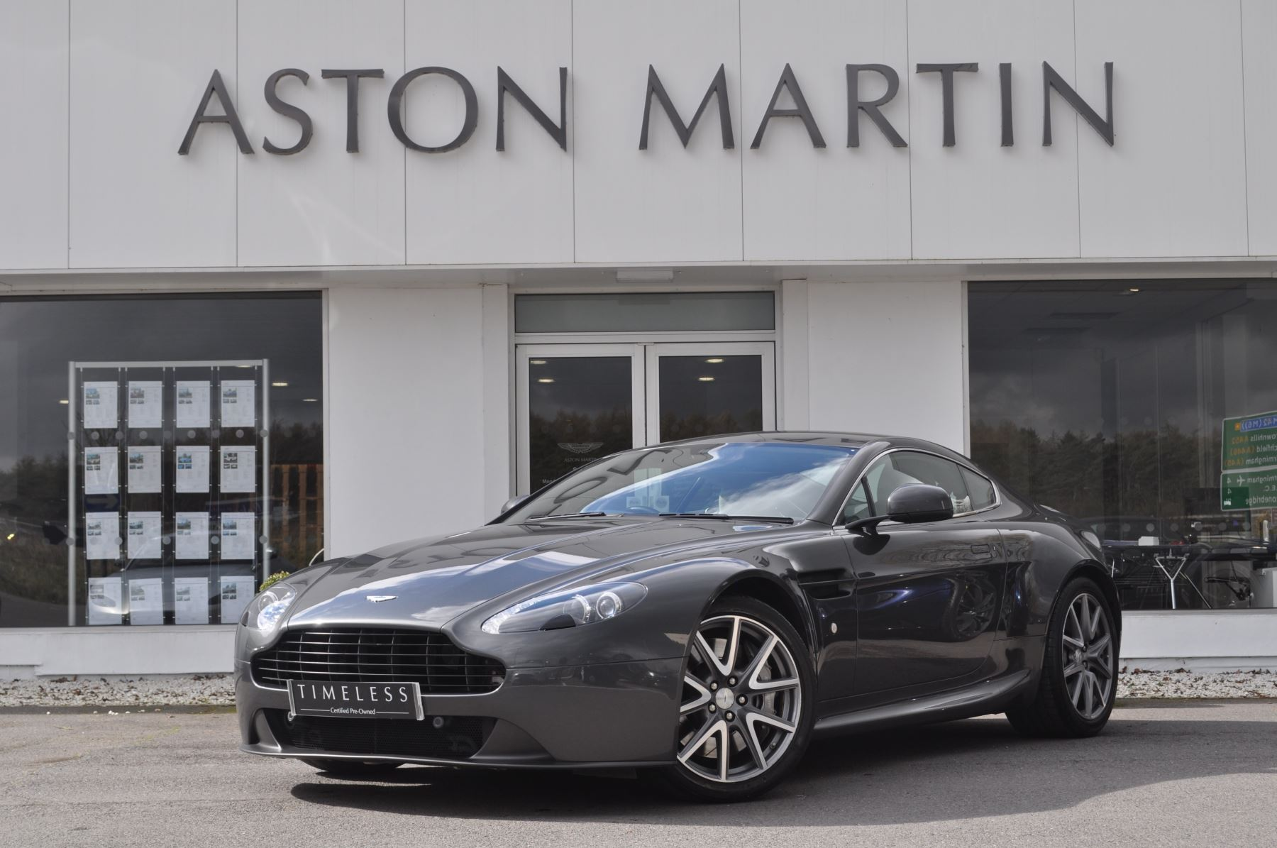 Aston Martin V8 Vantage Coupe 2dr Sportshift [420] 4.7 Automatic 3 door Coupe (2015) image