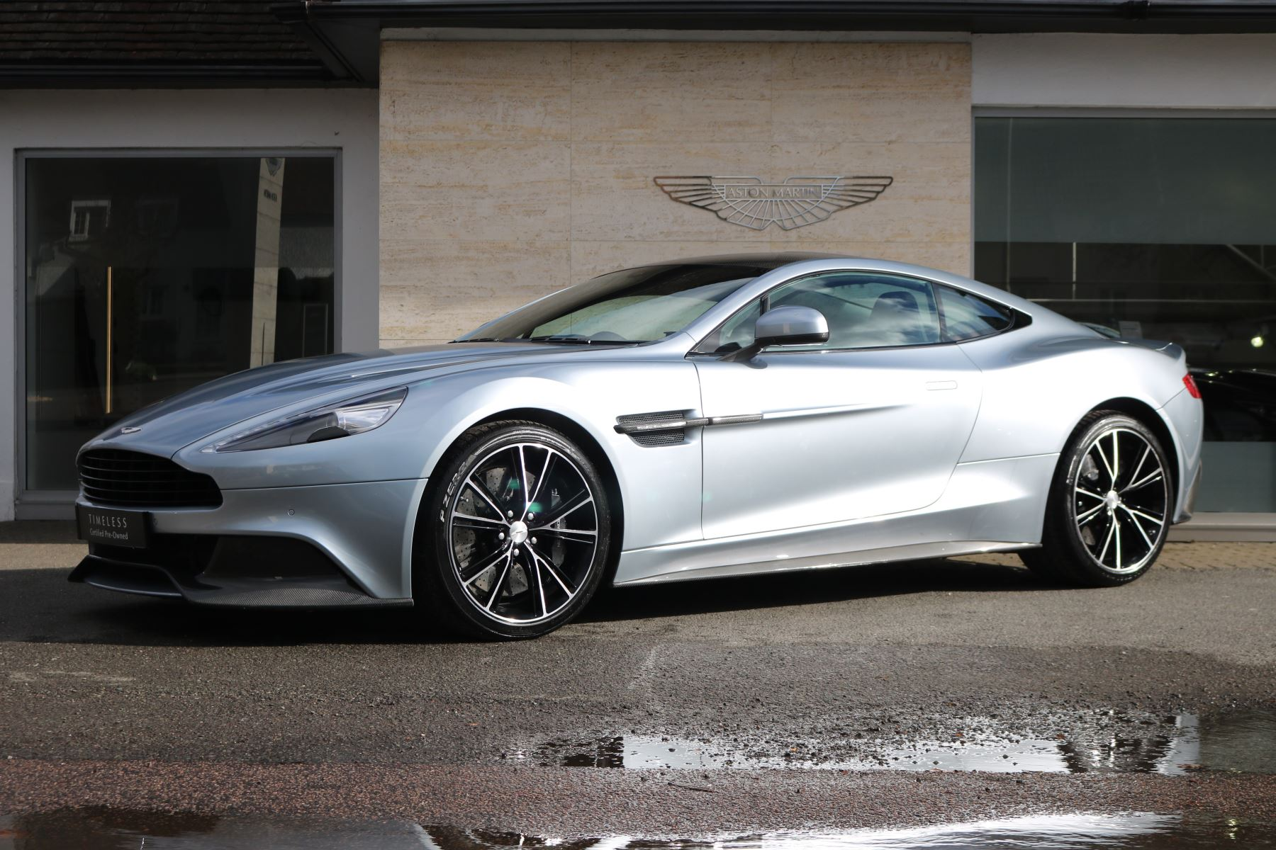 Aston Martin Vanquish Coupe 6.0 Automatic 2 door (17) image