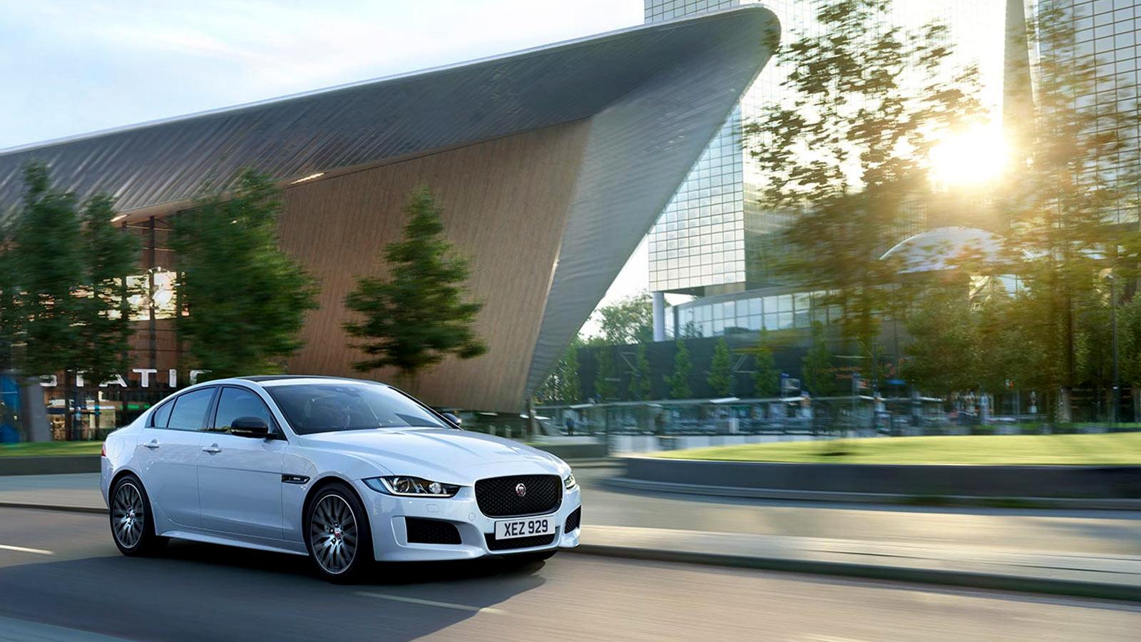 Jaguar XE 2.0d R-Dynamic HSE image 13