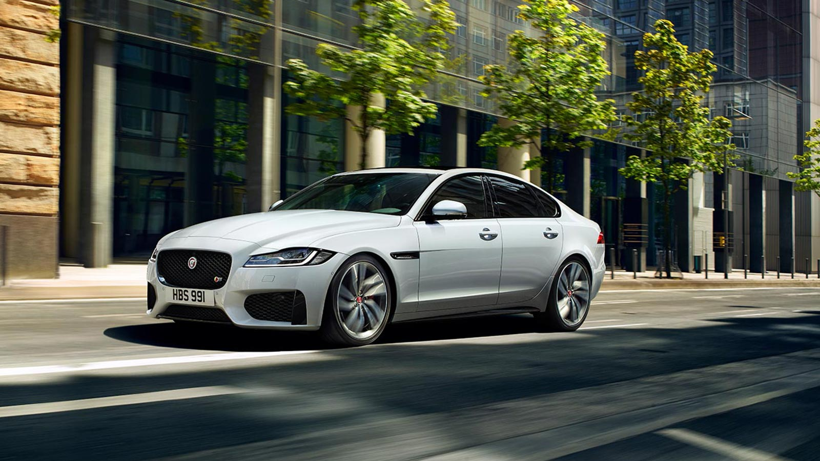 Jaguar XF 2.0d (180) Chequered Flag SPECIAL EDITIONS image 11