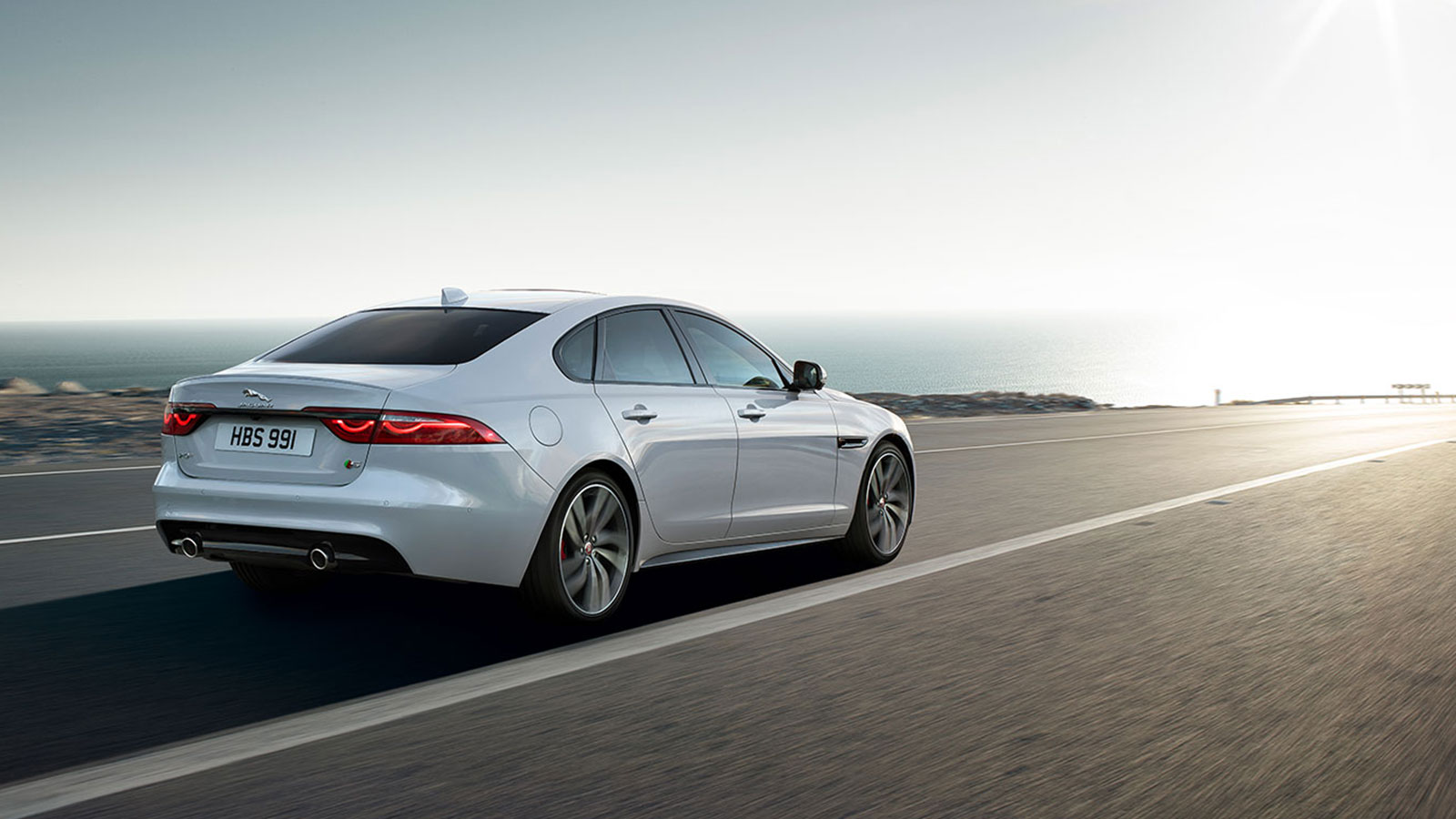 Jaguar XF 2.0d (180) Chequered Flag SPECIAL EDITIONS image 13
