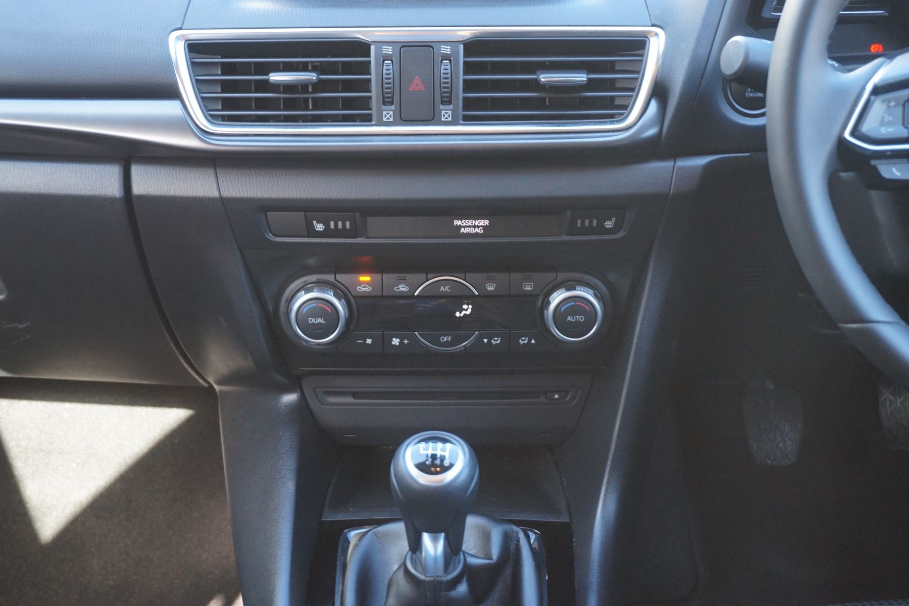 Mazda 3 2.2d Sport Nav 5dr image 10