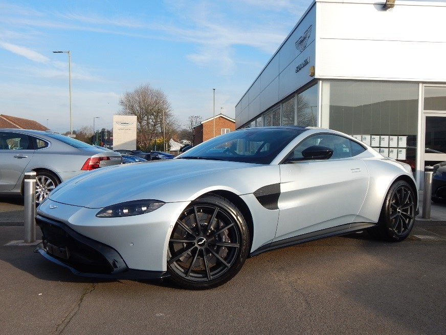 Aston Martin New Vantage ZF 8 Speed image 9