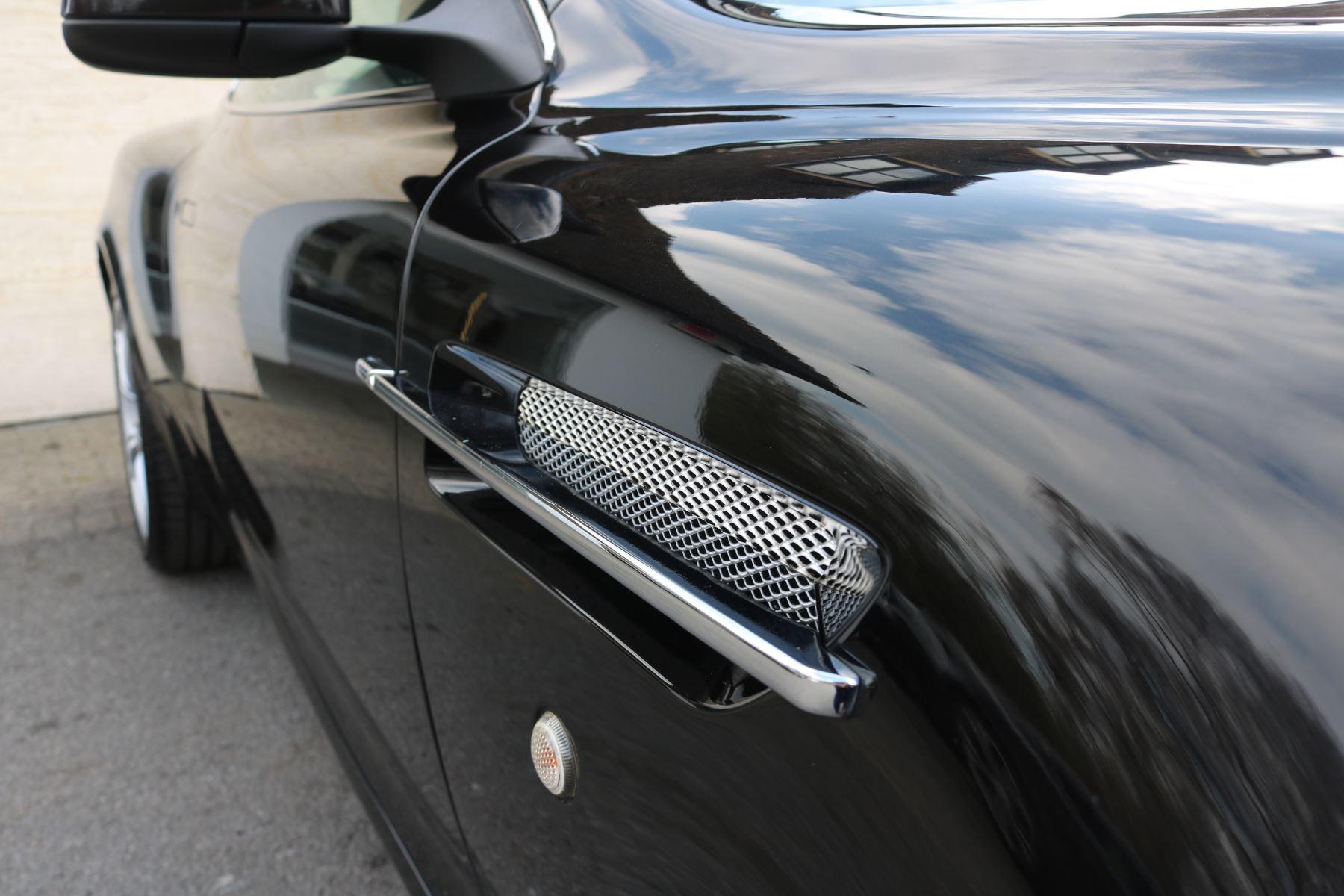Aston Martin DB9 V12 2dr [470] image 11