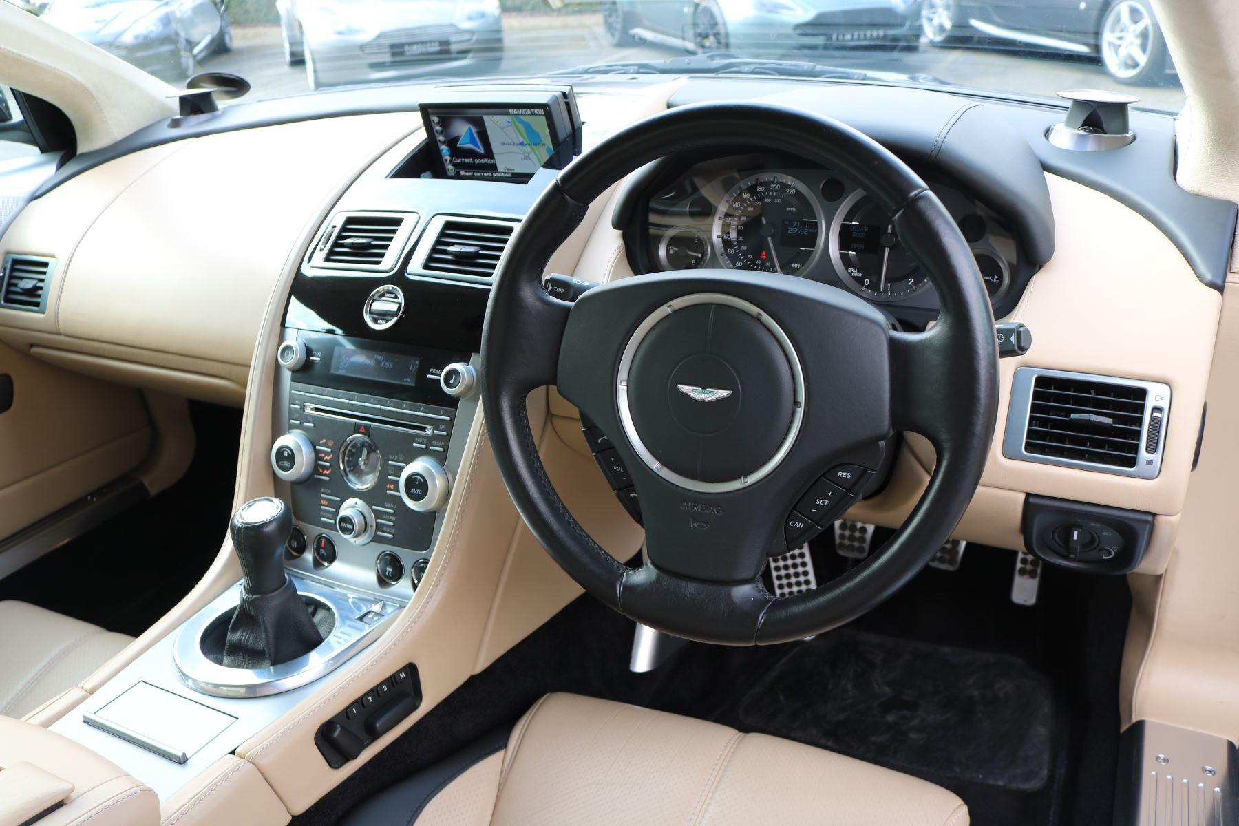 Aston Martin DB9 V12 2dr [470] image 15