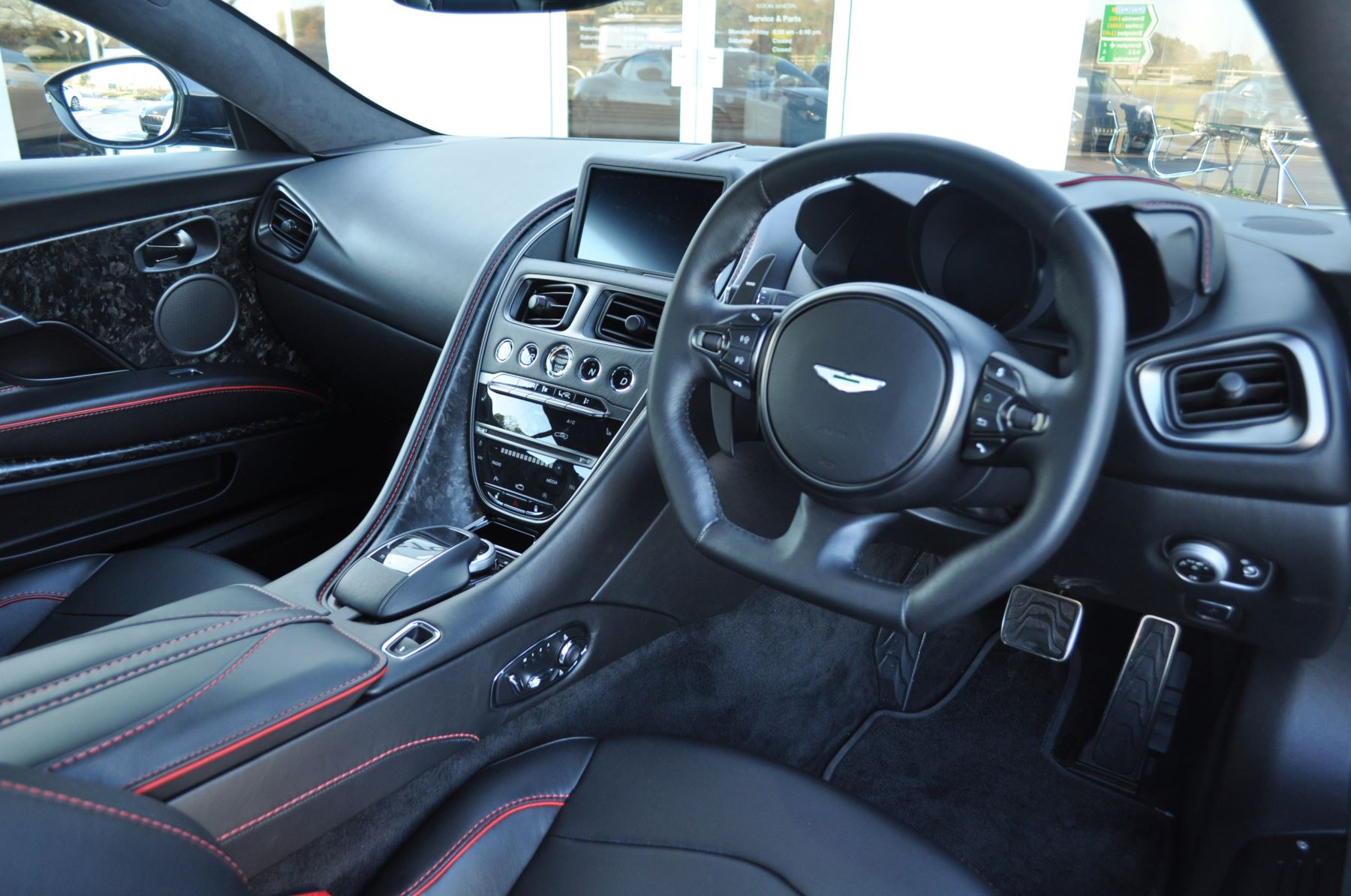 Aston Martin DBS V12 Superleggera Touchtronic image 14