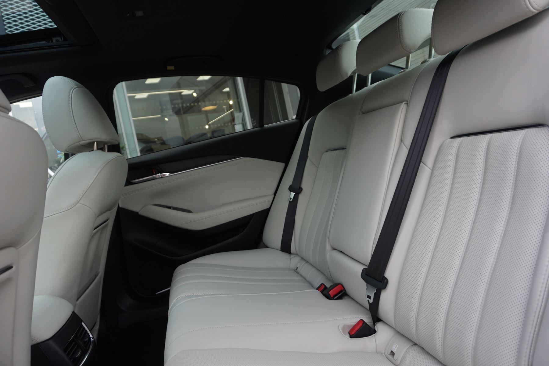 Mazda 6 Saloon 2.2d GT Sport Nav+ 4dr image 11