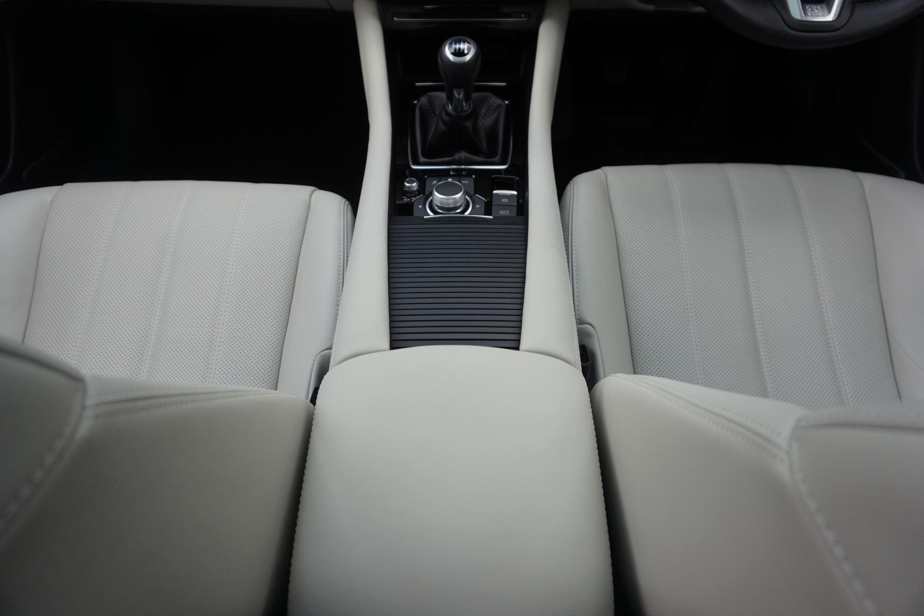 Mazda 6 Saloon 2.2d GT Sport Nav+ 4dr image 18