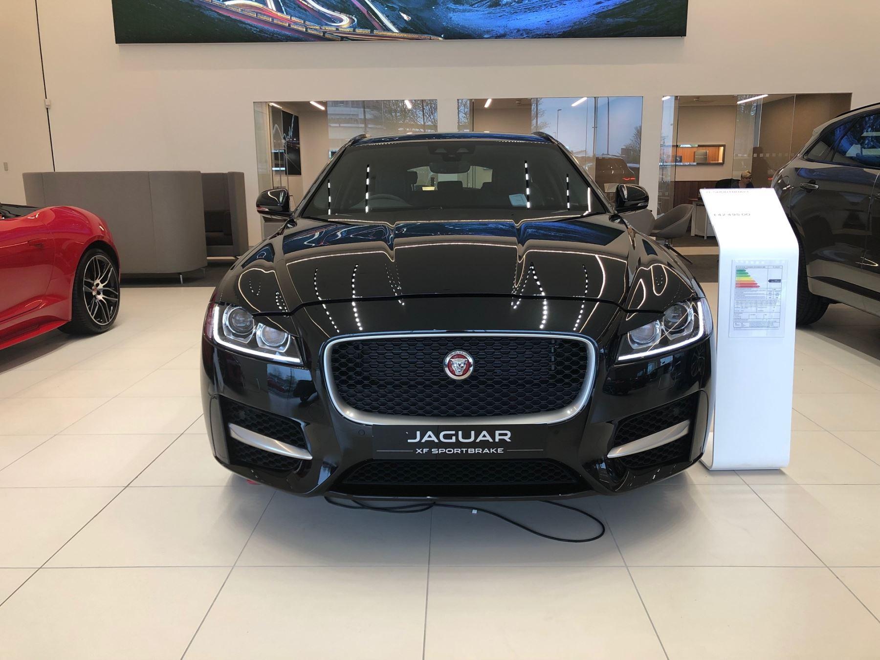 Jaguar XF SPORTBRAKE 2.0d R-Sport Diesel Automatic 5 door Estate (17MY) image