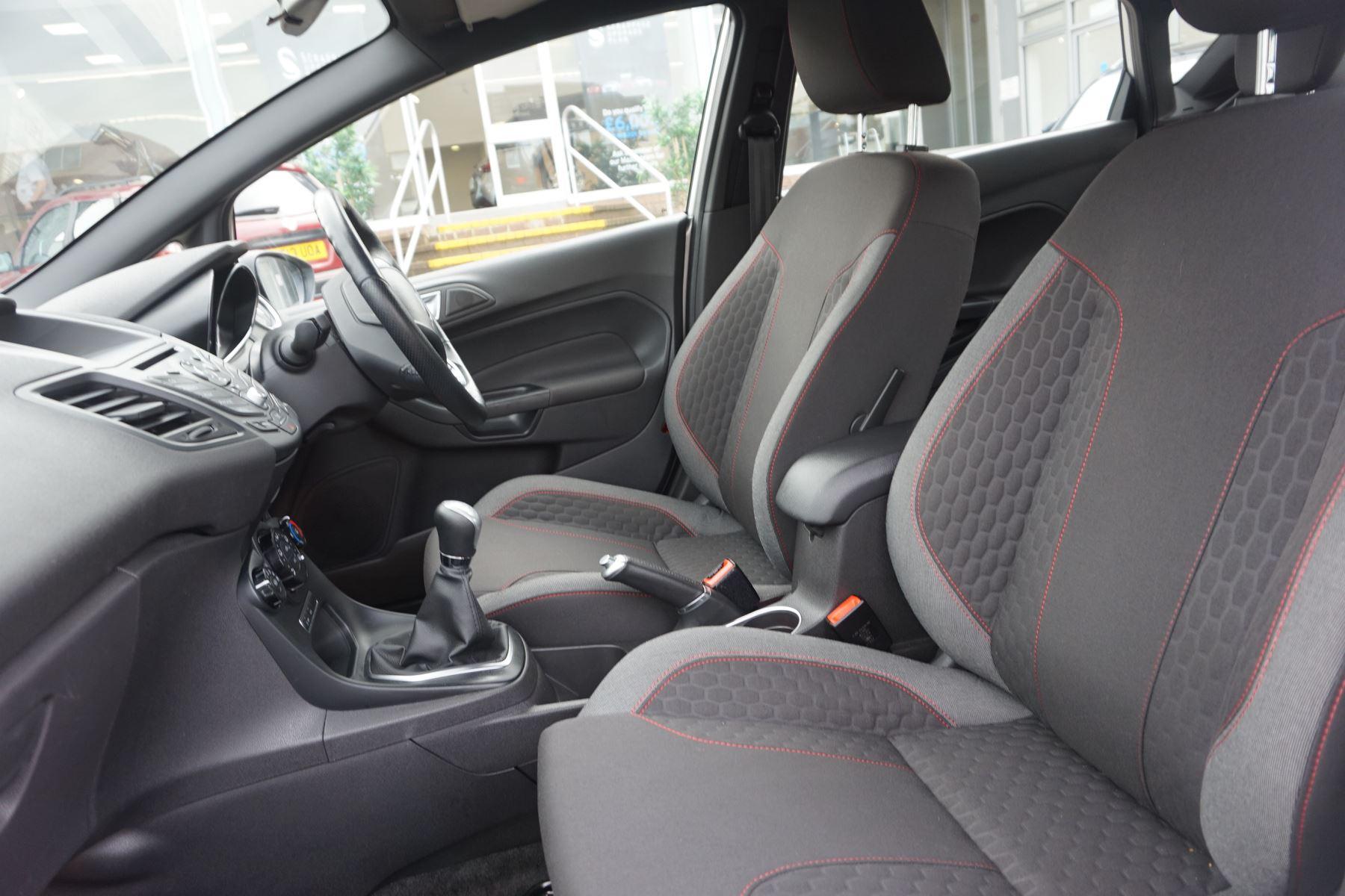 Ford Fiesta 1.0 EcoBoost 125 ST-Line 5dr image 8