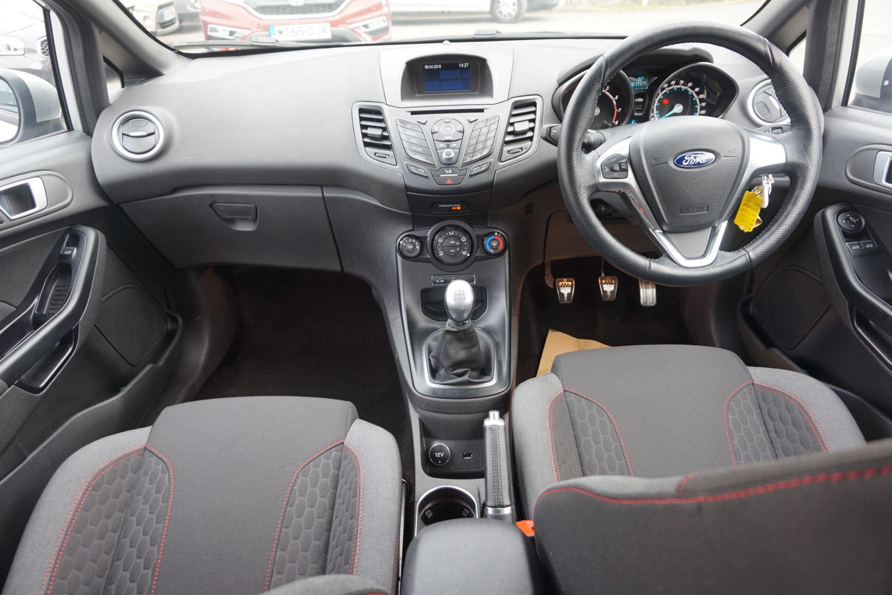 Ford Fiesta 1.0 EcoBoost 125 ST-Line 5dr image 10