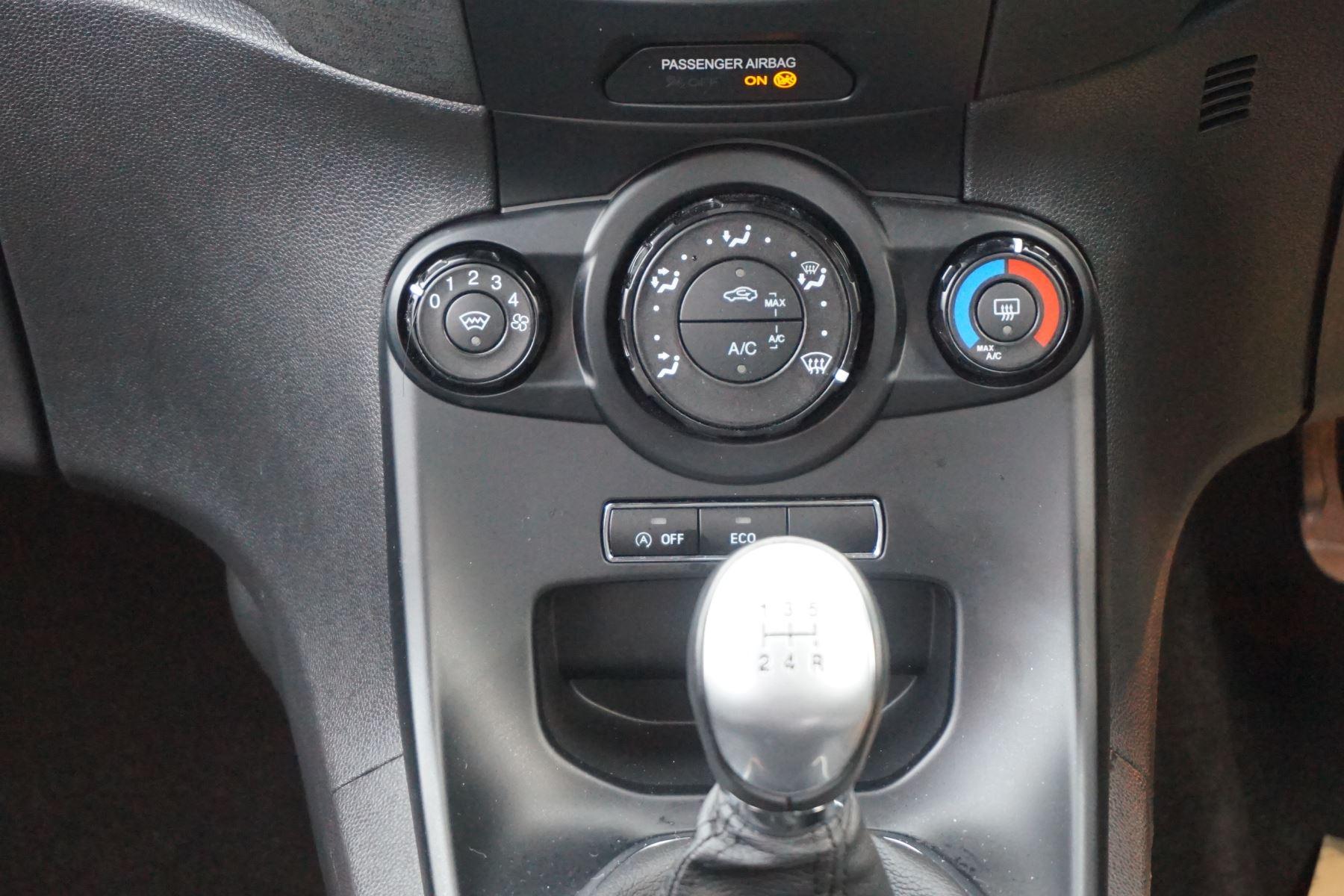 Ford Fiesta 1.0 EcoBoost 125 ST-Line 5dr image 12