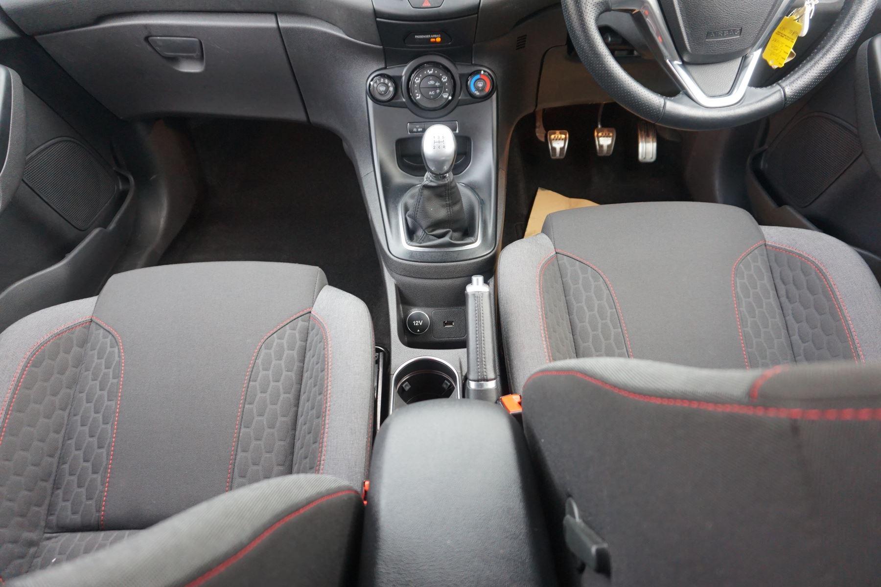Ford Fiesta 1.0 EcoBoost 125 ST-Line 5dr image 13