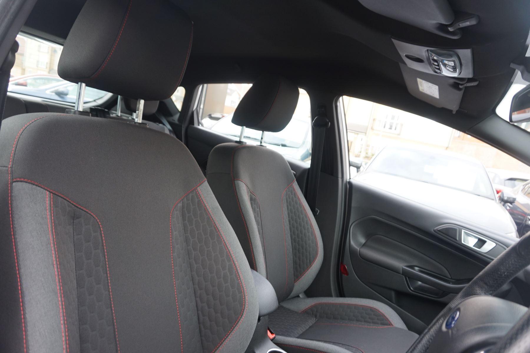 Ford Fiesta 1.0 EcoBoost 125 ST-Line 5dr image 18