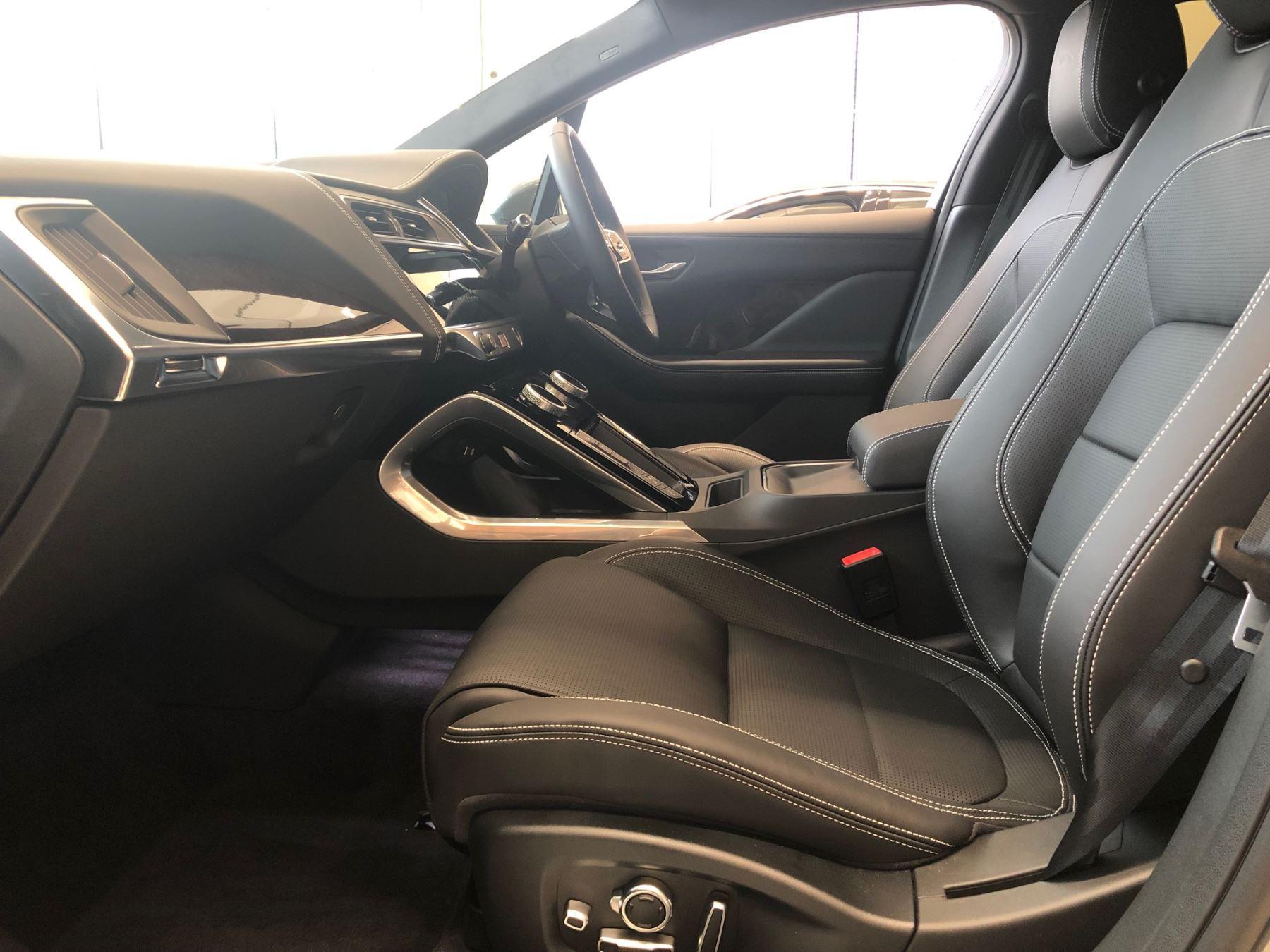 Jaguar I-PACE 90kWh EV400 HSE image 5