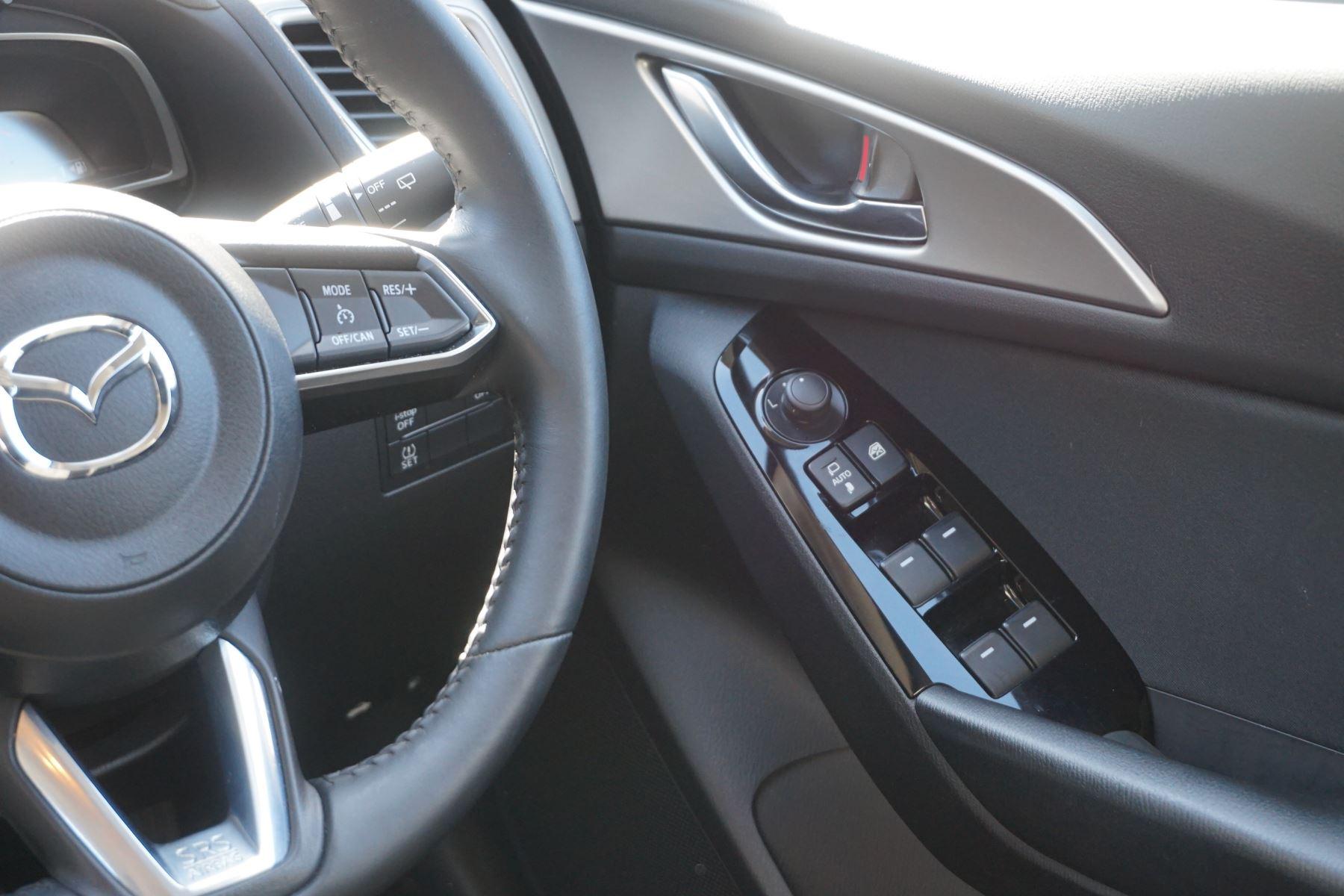Mazda 3 2.2d SE-L Nav 5dr image 12