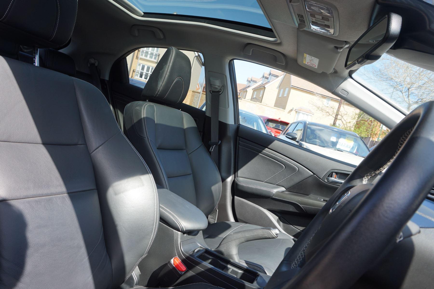Honda Civic 1.6 i-DTEC SR 5dr image 20