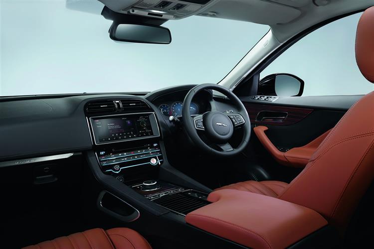 Jaguar F-PACE 5.0 Supercharged V8 SVR AWD image 10