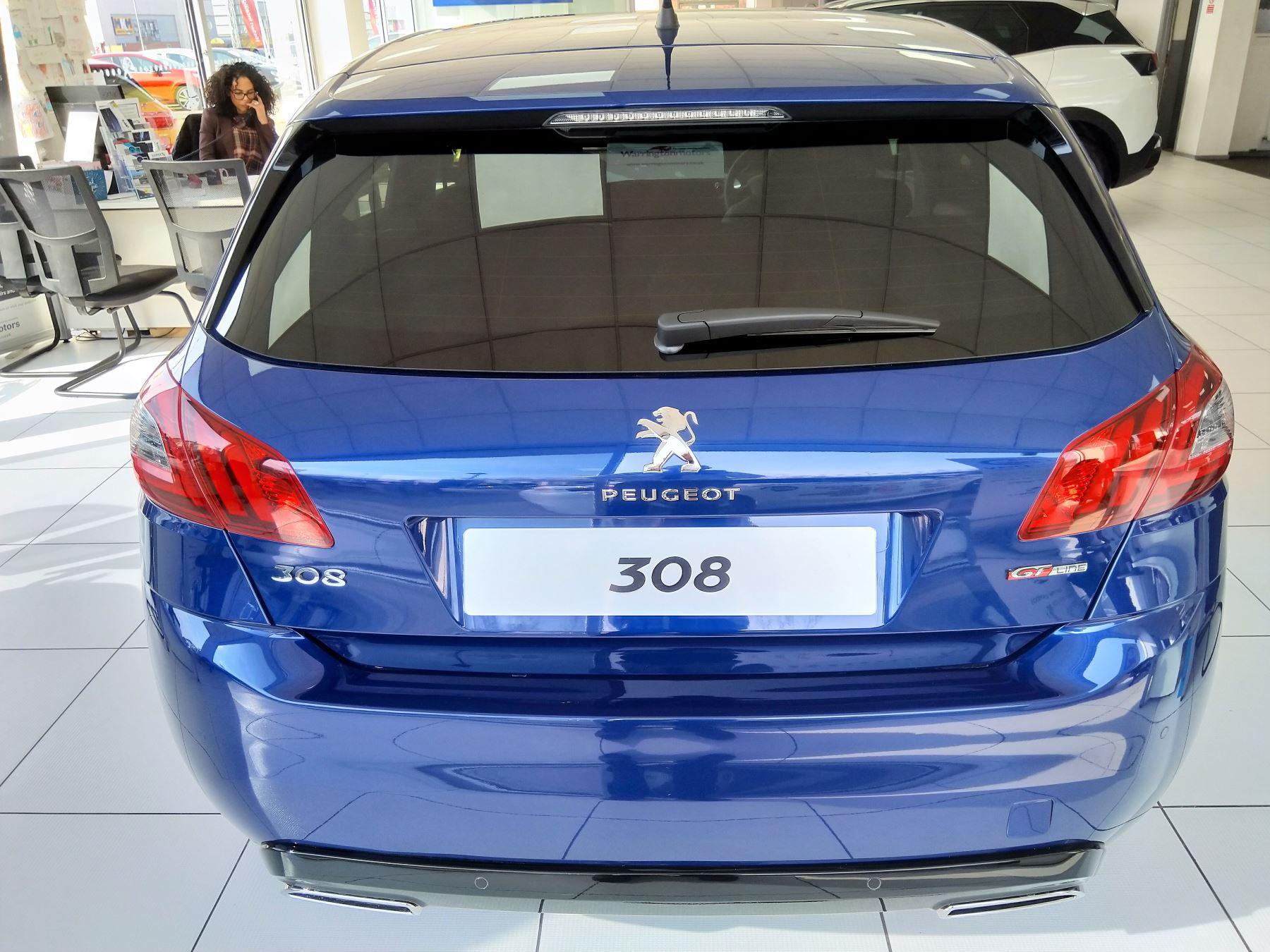 Peugeot 308 1.5 BlueHDi 130 GT Line image 10
