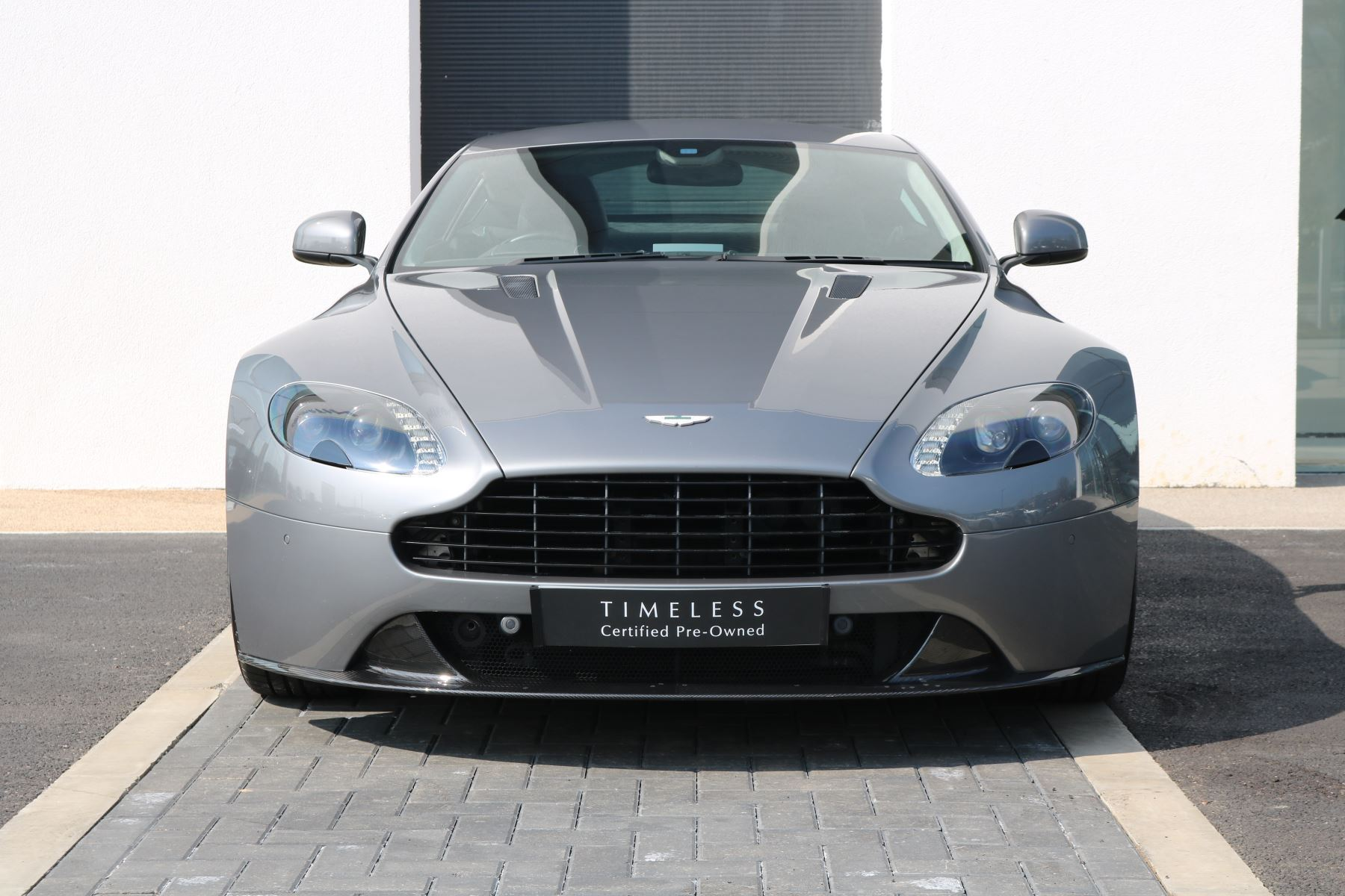 Aston Martin V8 Vantage S Coupe S 2dr Sportshift 4.7 Automatic 3 door Coupe (2016) image