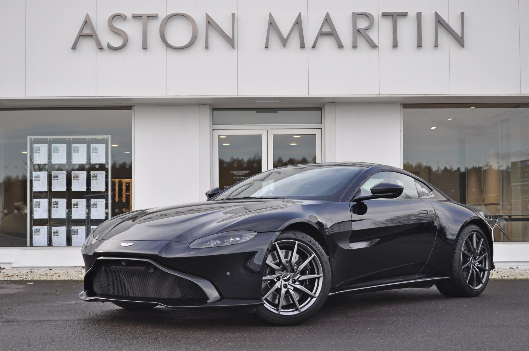 Aston Martin New Vantage 2dr ZF 8 Speed Auto 4.0 Automatic 3 door Coupe (2019) image