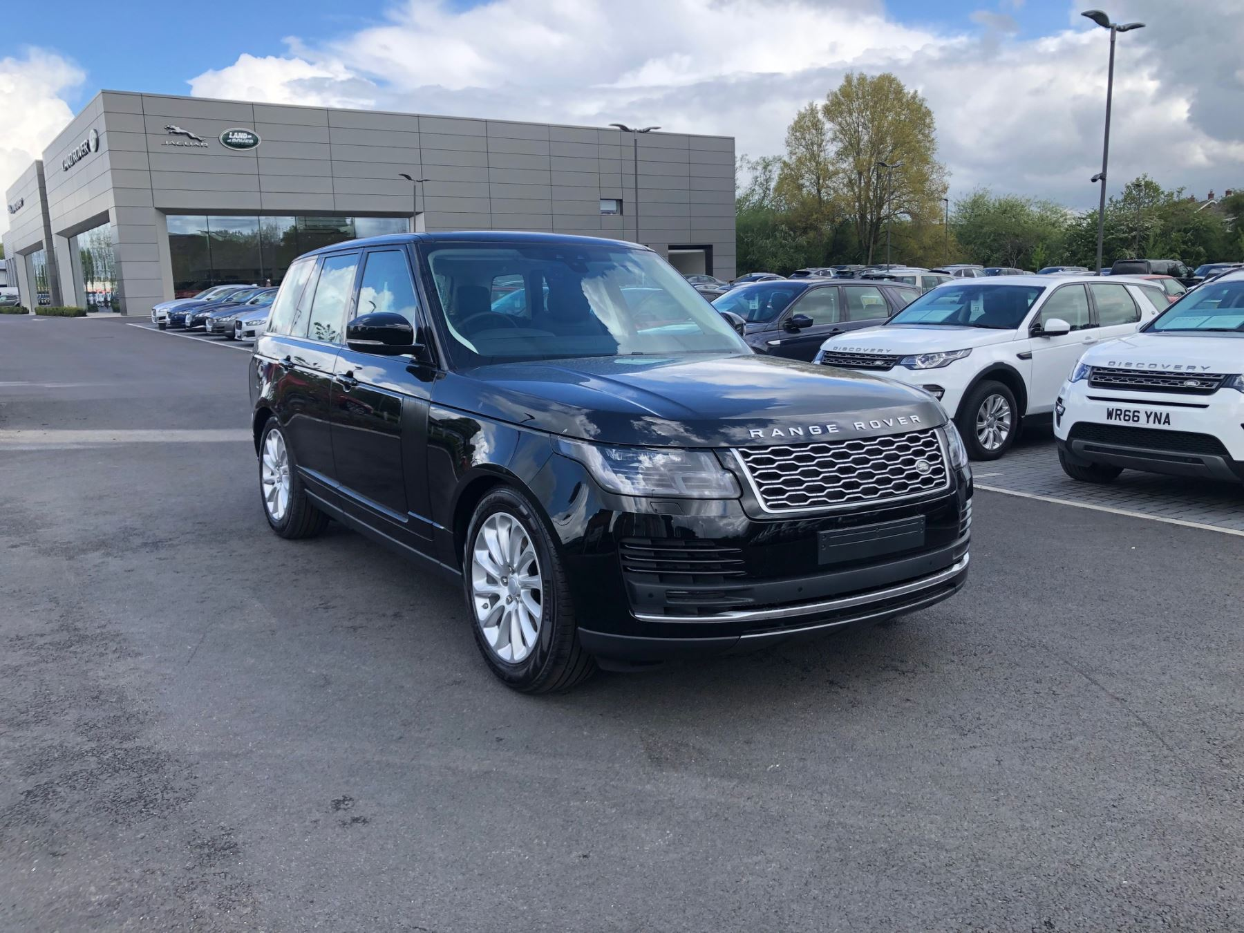 Land Rover Range Rover 3 0 SDV6 Vogue Diesel Automatic 4 door Estate (18MY)  available from Land Rover Woodford