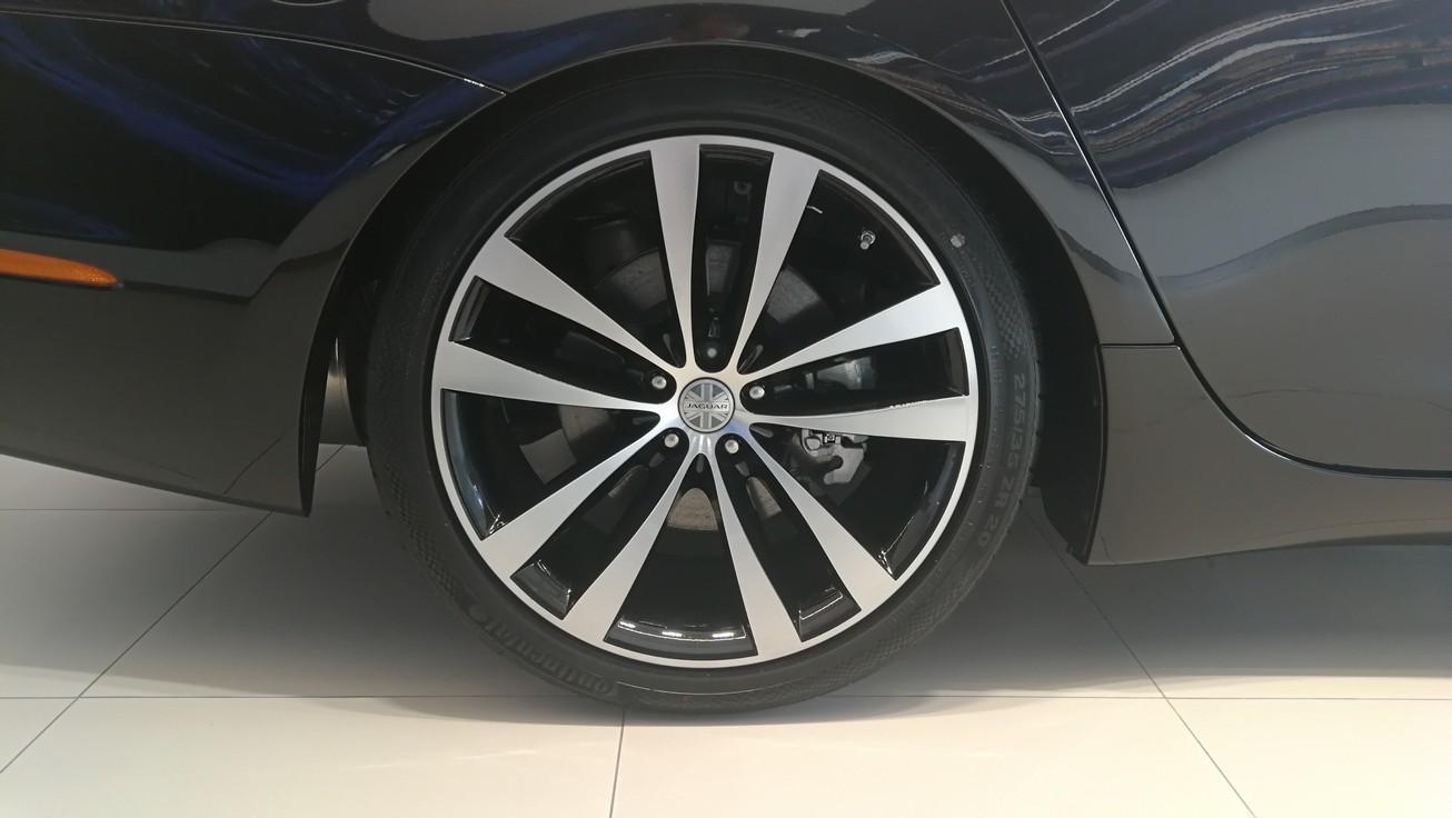 Jaguar XJ 3.0d V6 XJ50 [LWB] image 5