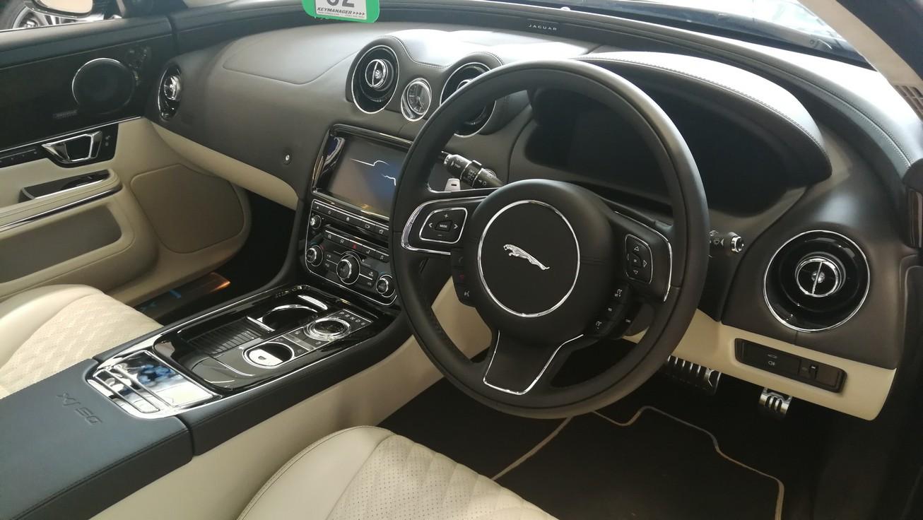 Jaguar XJ 3.0d V6 XJ50 [LWB] image 6