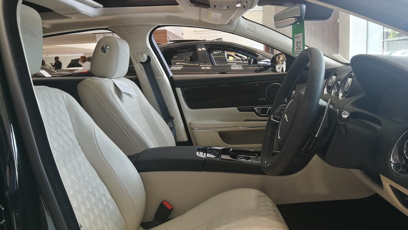 Jaguar XJ 3.0d V6 XJ50 [LWB] image 8