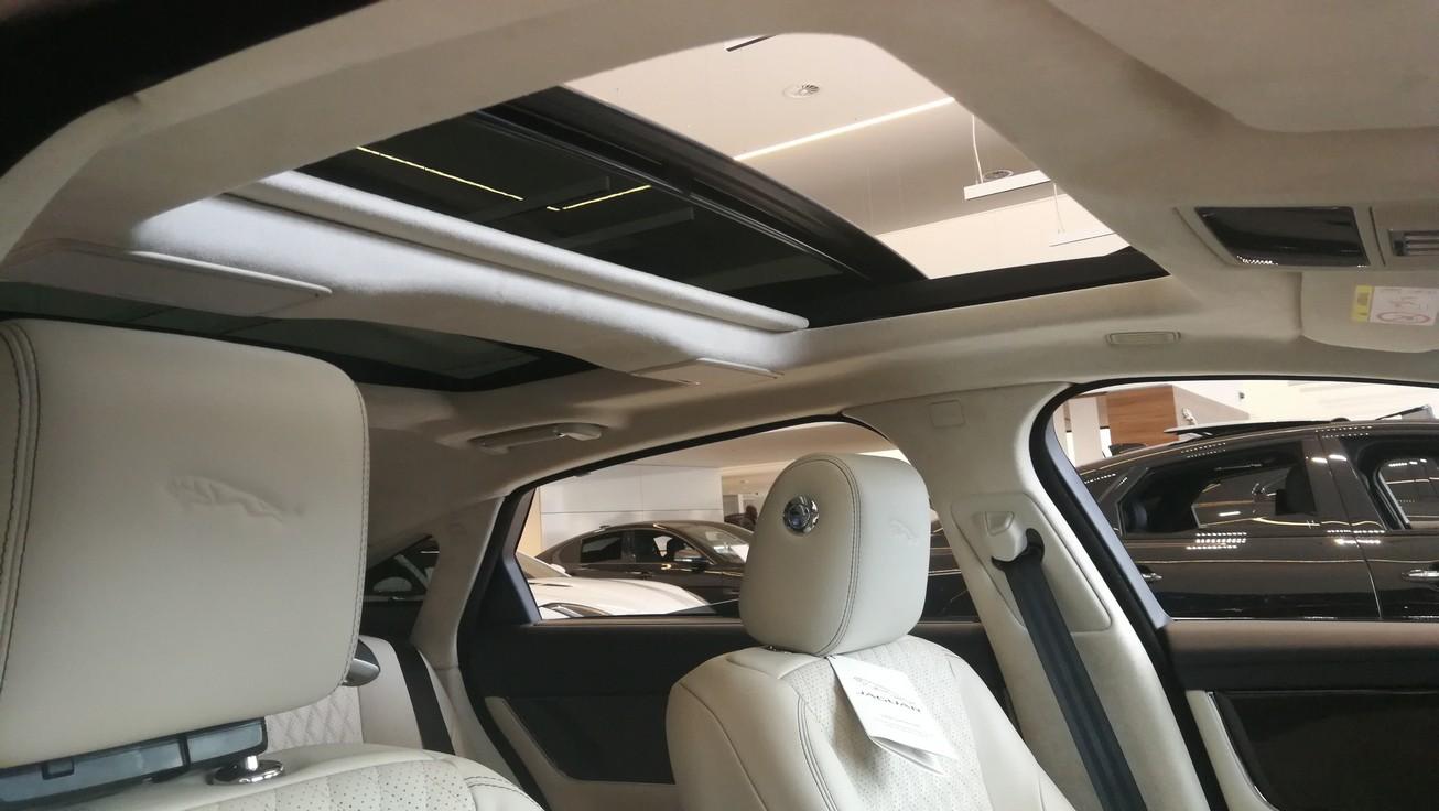 Jaguar XJ 3.0d V6 XJ50 [LWB] image 9