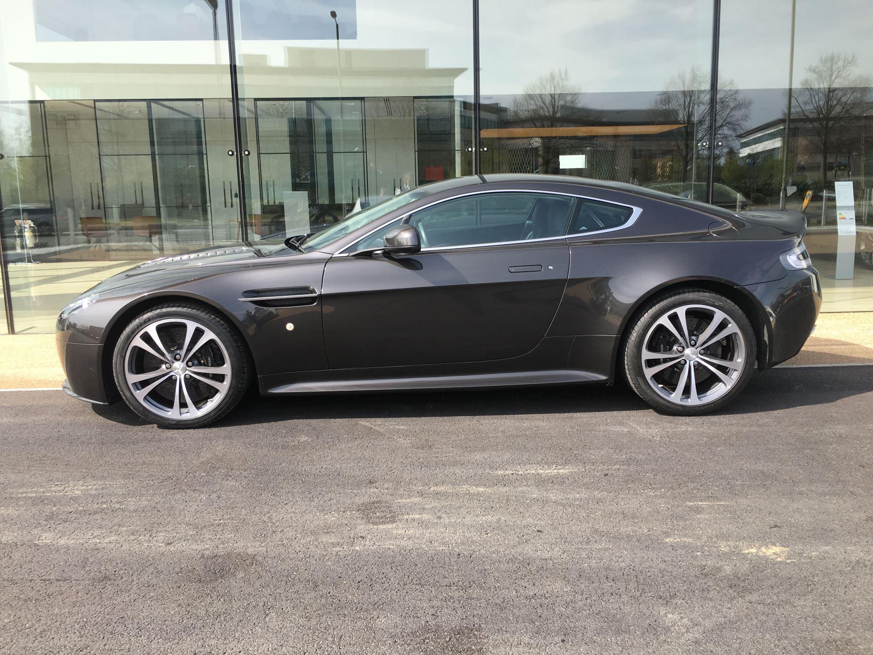Aston Martin V12 Vantage 2dr image 1