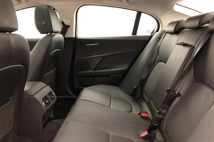 Jaguar XE 2.0d [240] Portfolio AWD image 4
