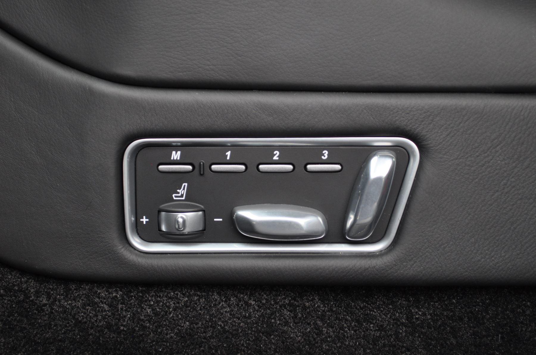 Aston Martin Vanquish S V12 [595] S 2+2 2dr Touchtronic image 38