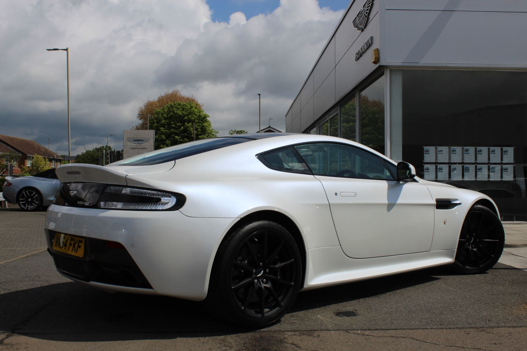 Aston Martin V12 Vantage S Coupe S 2dr Sportshift III image 18