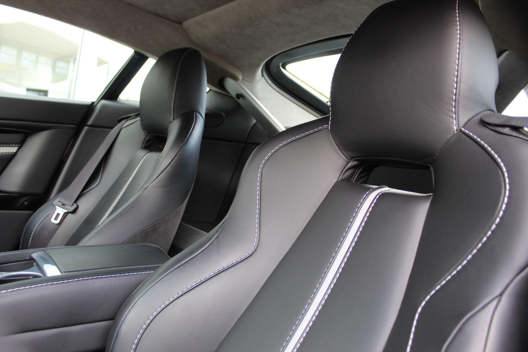 Aston Martin V12 Vantage S Coupe S 2dr Sportshift III image 10
