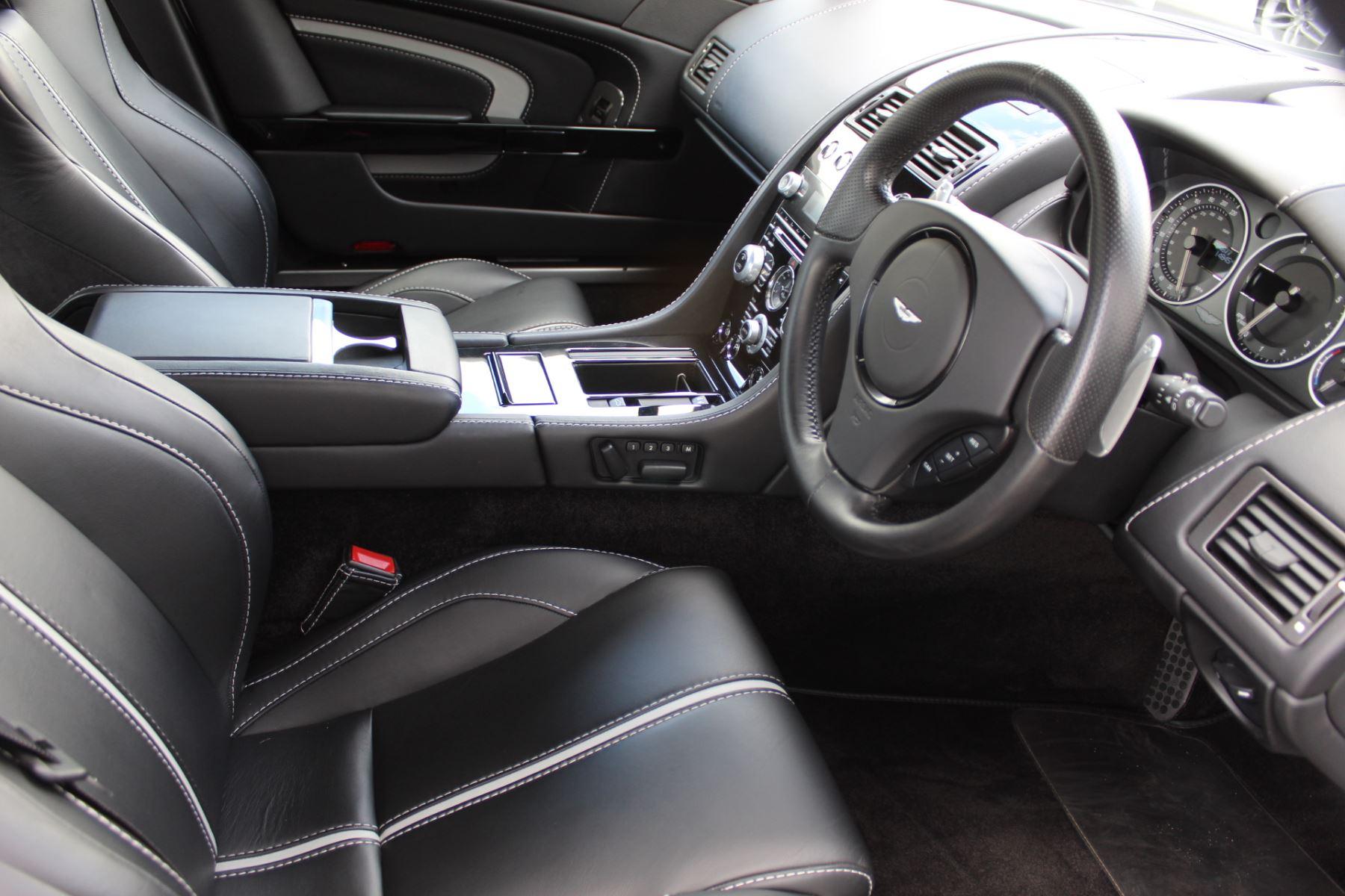Aston Martin V12 Vantage S Coupe S 2dr Sportshift III image 11