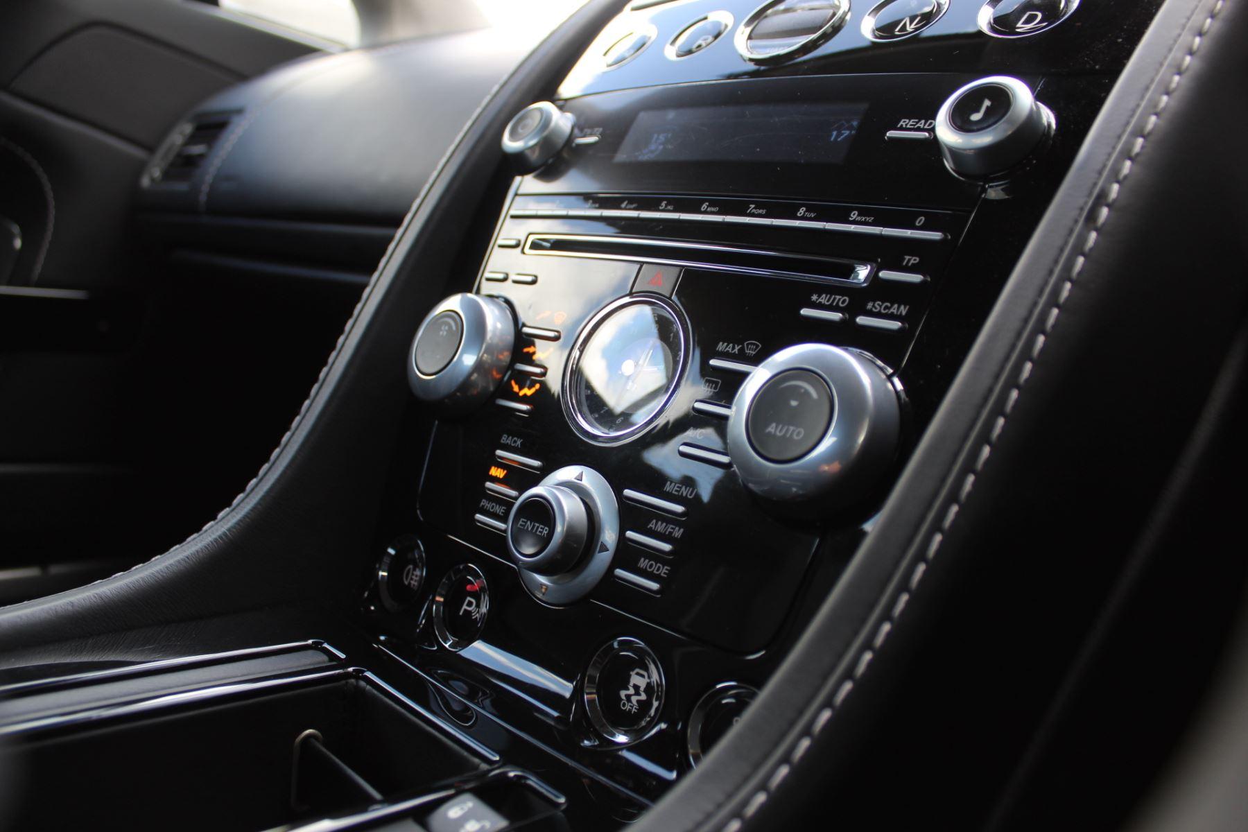 Aston Martin V12 Vantage S Coupe S 2dr Sportshift III image 15