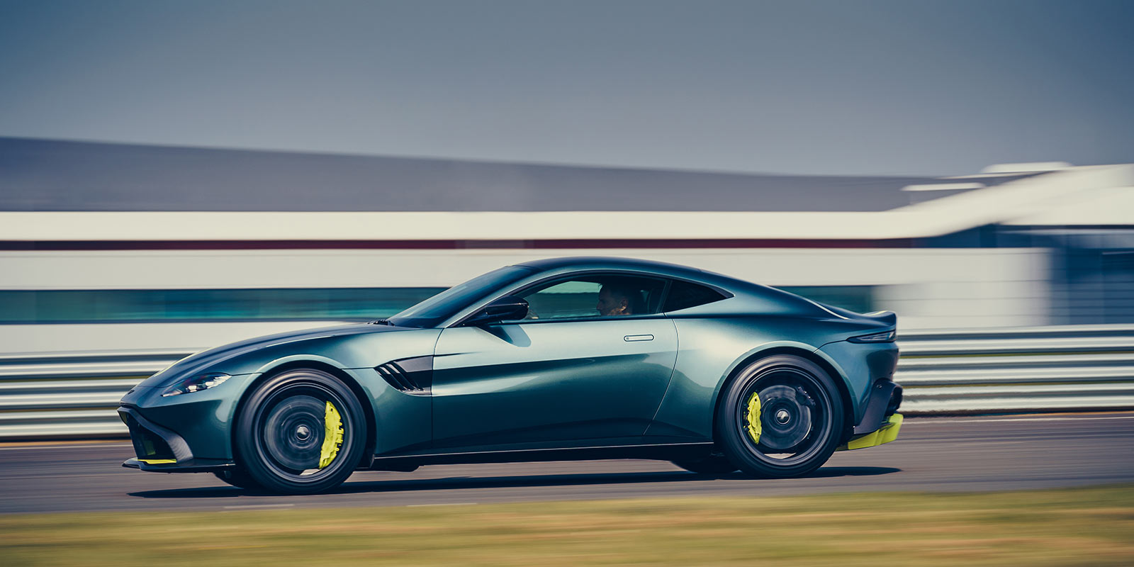 Aston Martin Vantage AMR - Limited Edition - Pure, Engaging Performance image 12