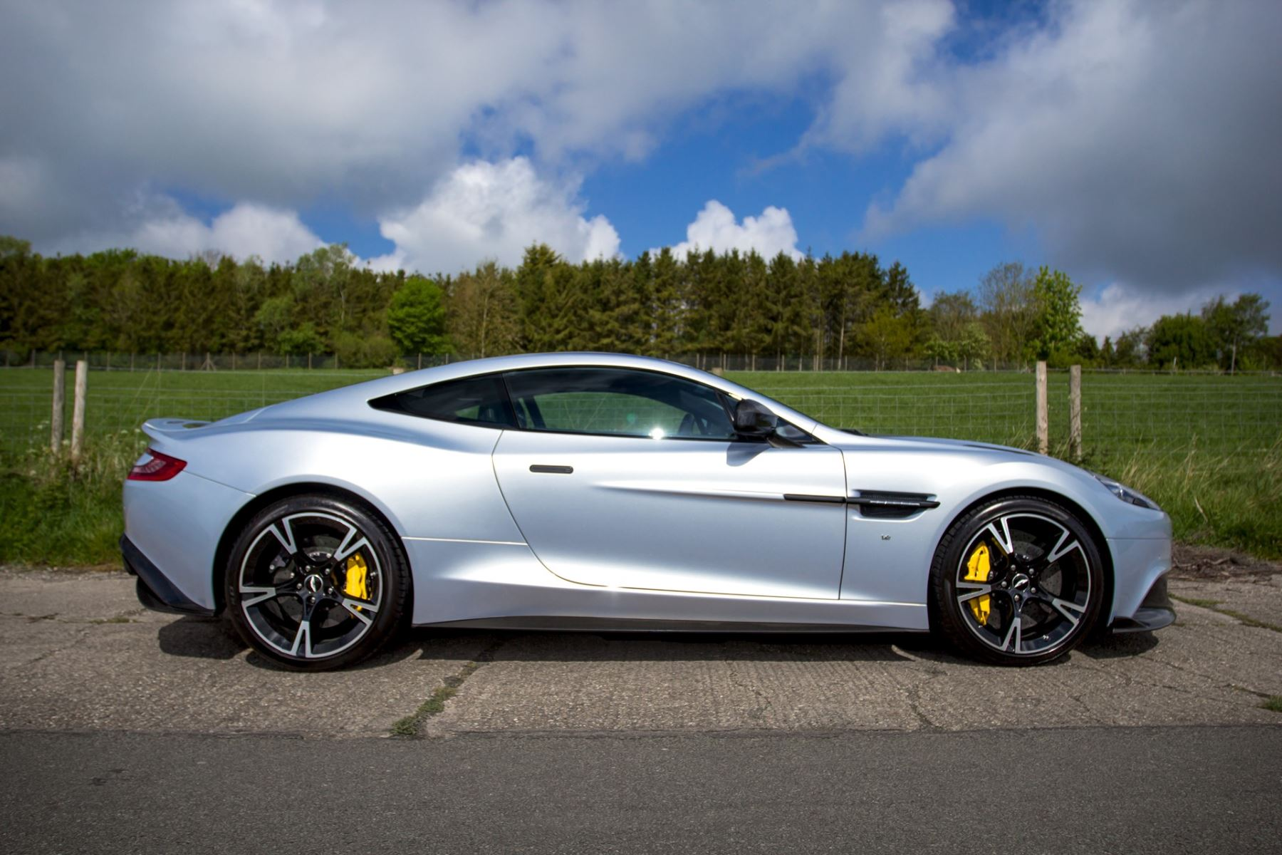 Aston Martin Vanquish V12 [595] S 2+2 2dr Touchtronic image 10