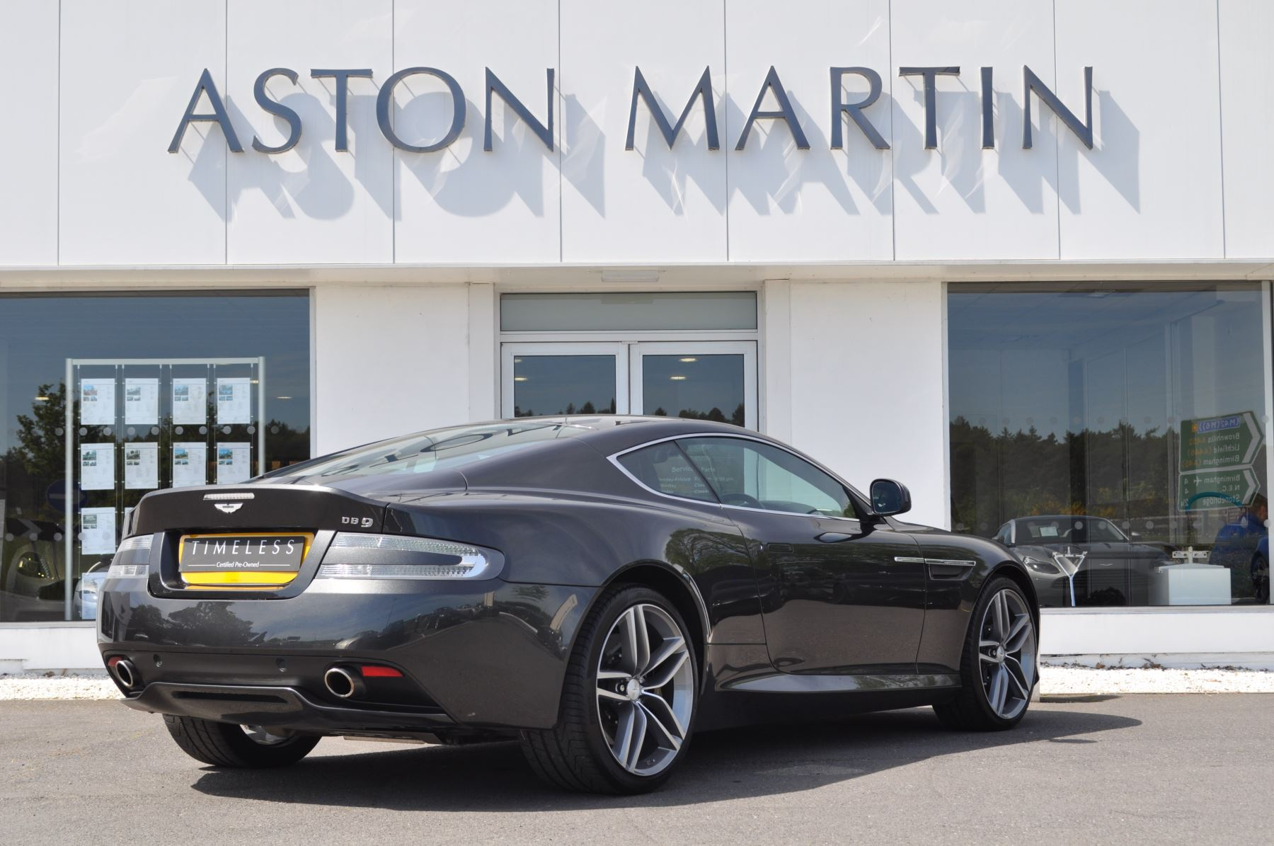 Aston Martin DB9 V12 2dr Touchtronic image 5