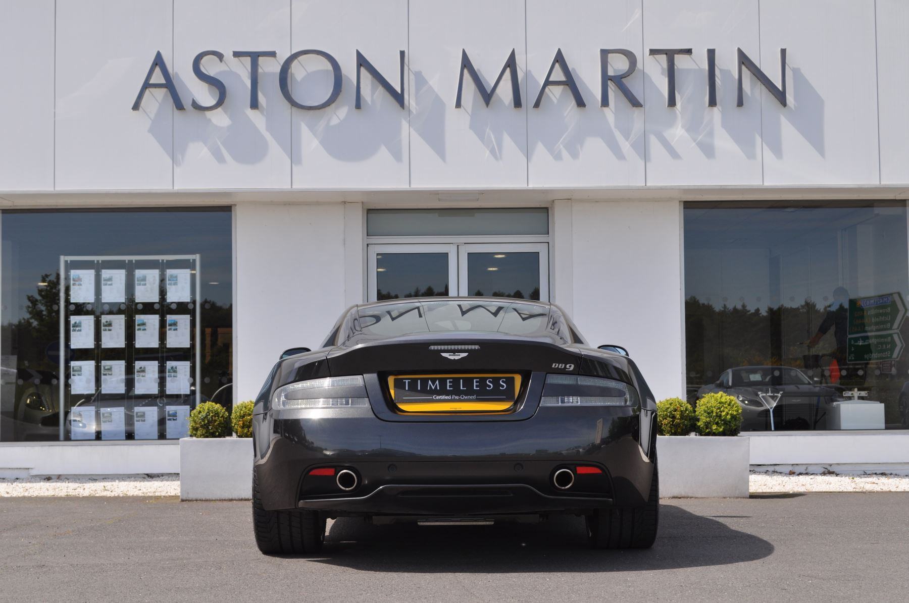 Aston Martin DB9 V12 2dr Touchtronic image 6