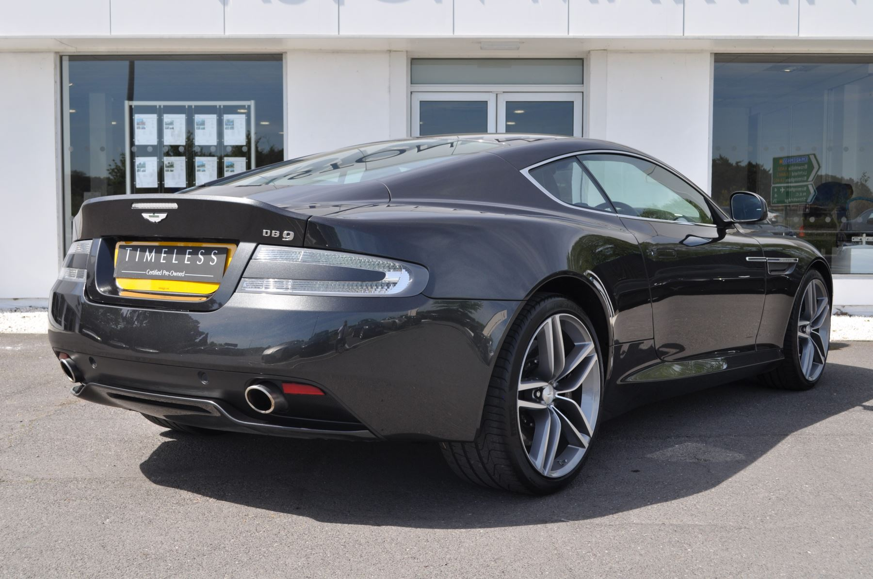 Aston Martin DB9 V12 2dr Touchtronic image 9