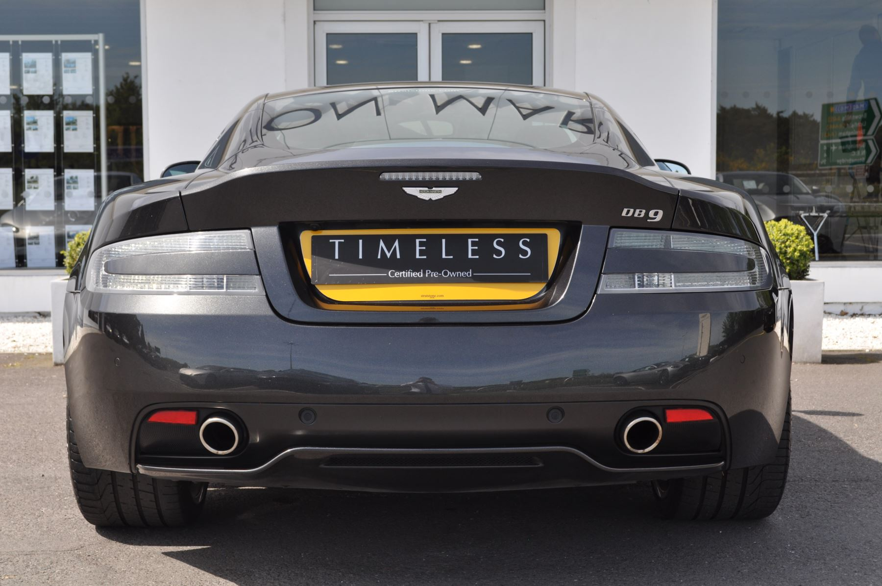 Aston Martin DB9 V12 2dr Touchtronic image 15
