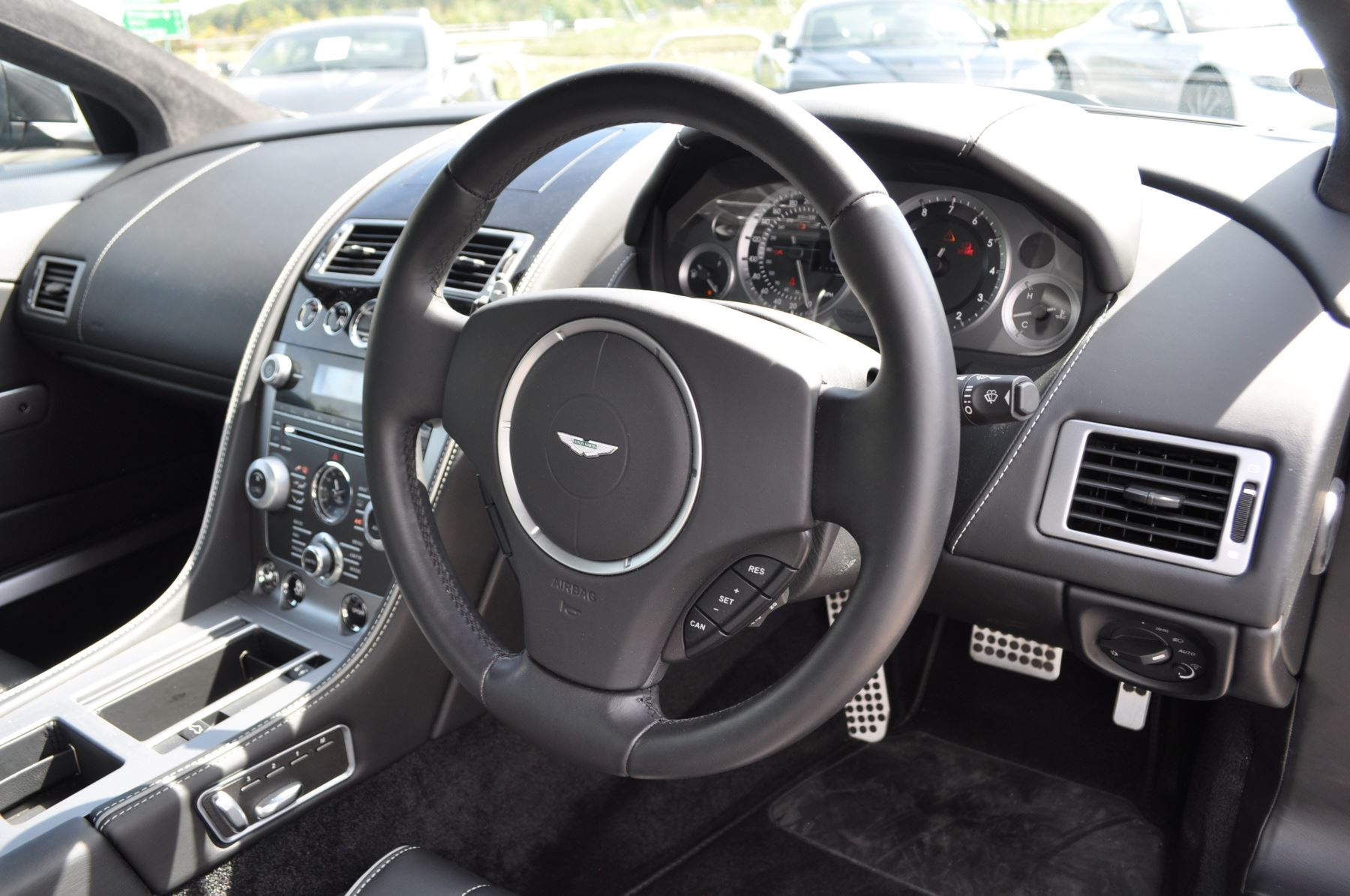 Aston Martin DB9 V12 2dr Touchtronic image 24