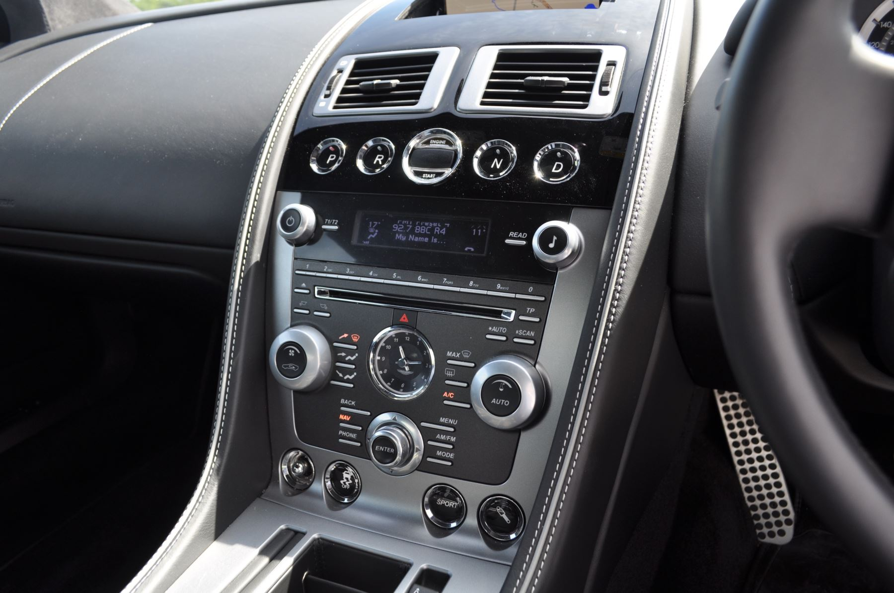 Aston Martin DB9 V12 2dr Touchtronic image 27