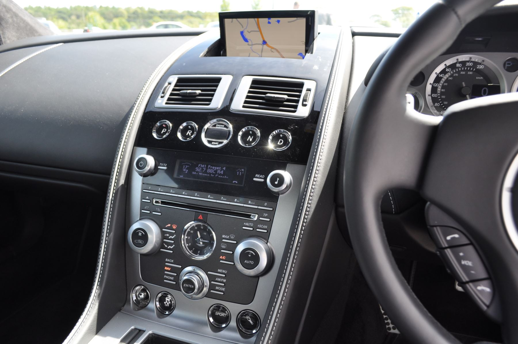 Aston Martin DB9 V12 2dr Touchtronic image 29
