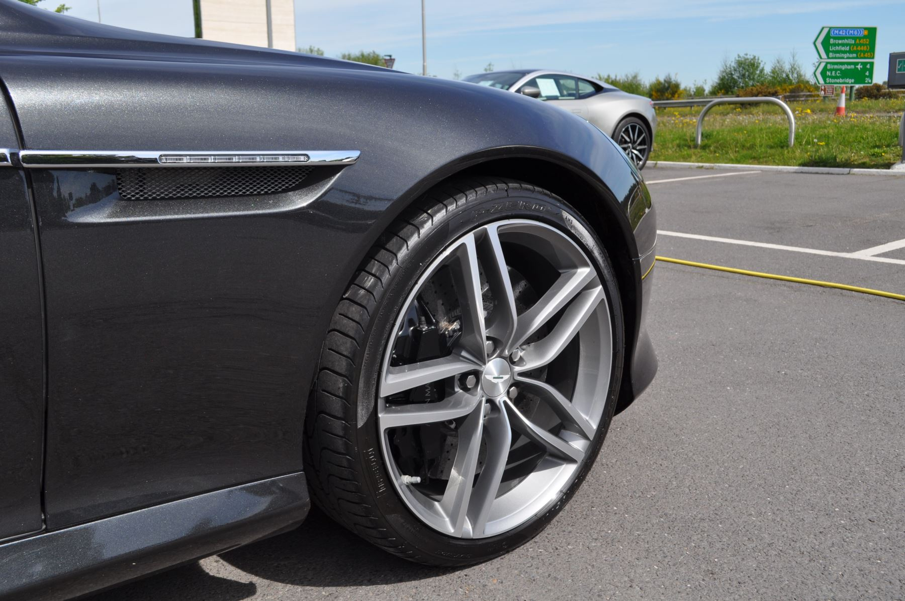 Aston Martin DB9 V12 2dr Touchtronic image 43
