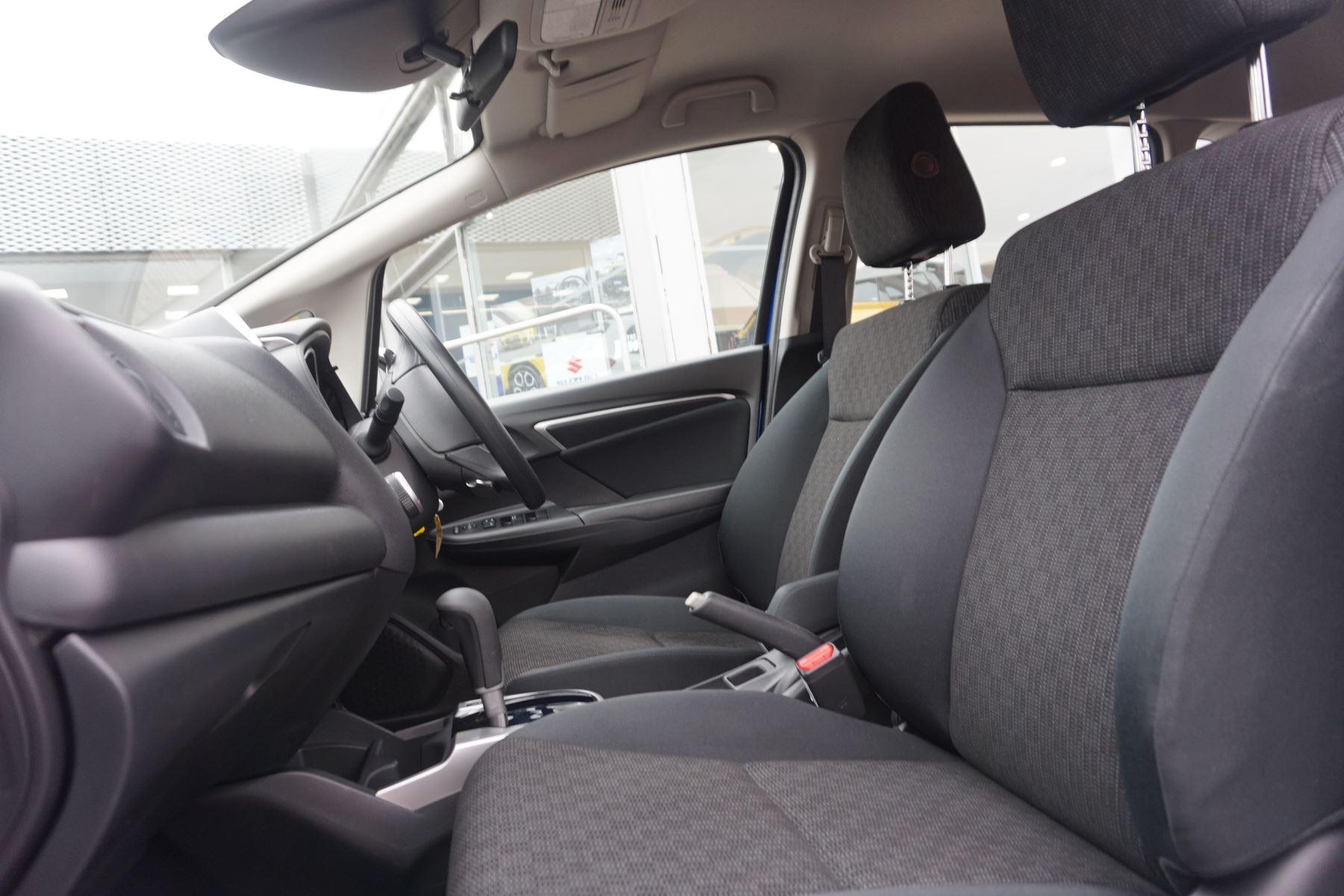 Honda Jazz 1.3 SE Navi CVT image 8