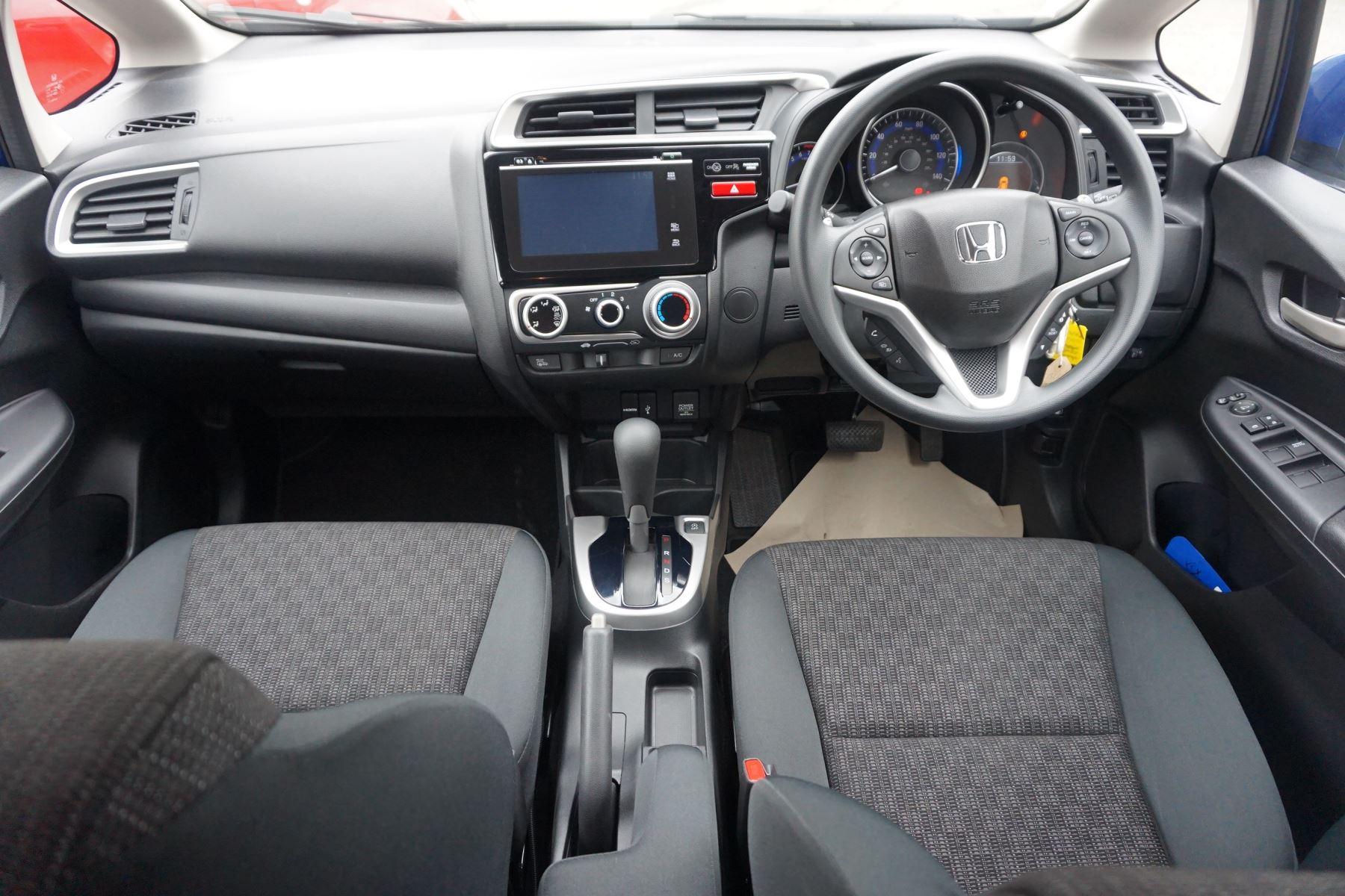 Honda Jazz 1.3 SE Navi CVT image 10